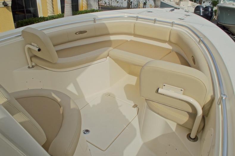 Thumbnail 49 for New 2017 Cobia 237 Center Console boat for sale in Miami, FL