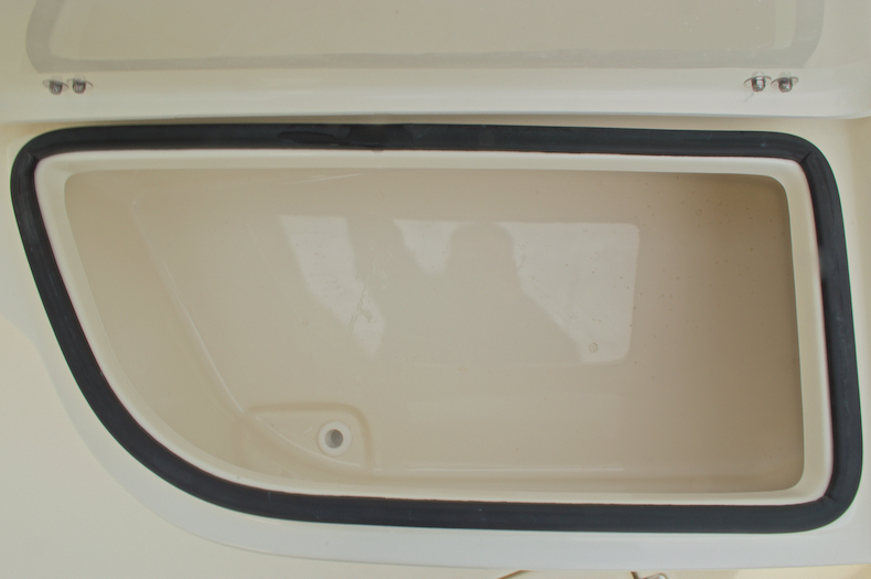Thumbnail 53 for New 2017 Cobia 237 Center Console boat for sale in Miami, FL