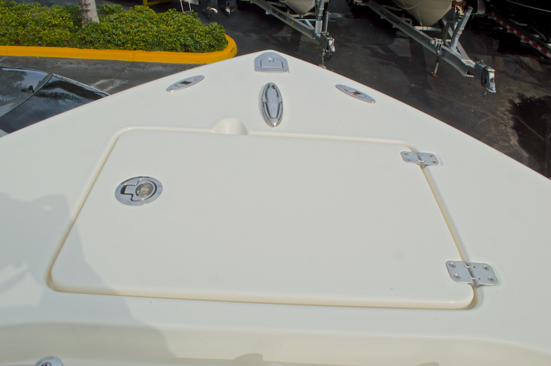 Thumbnail 58 for New 2017 Cobia 237 Center Console boat for sale in Miami, FL