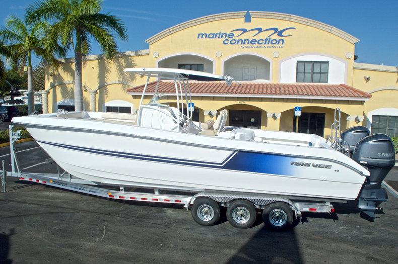 Photo for 2017 Twin Vee 310SE OceanCat Sports Edition
