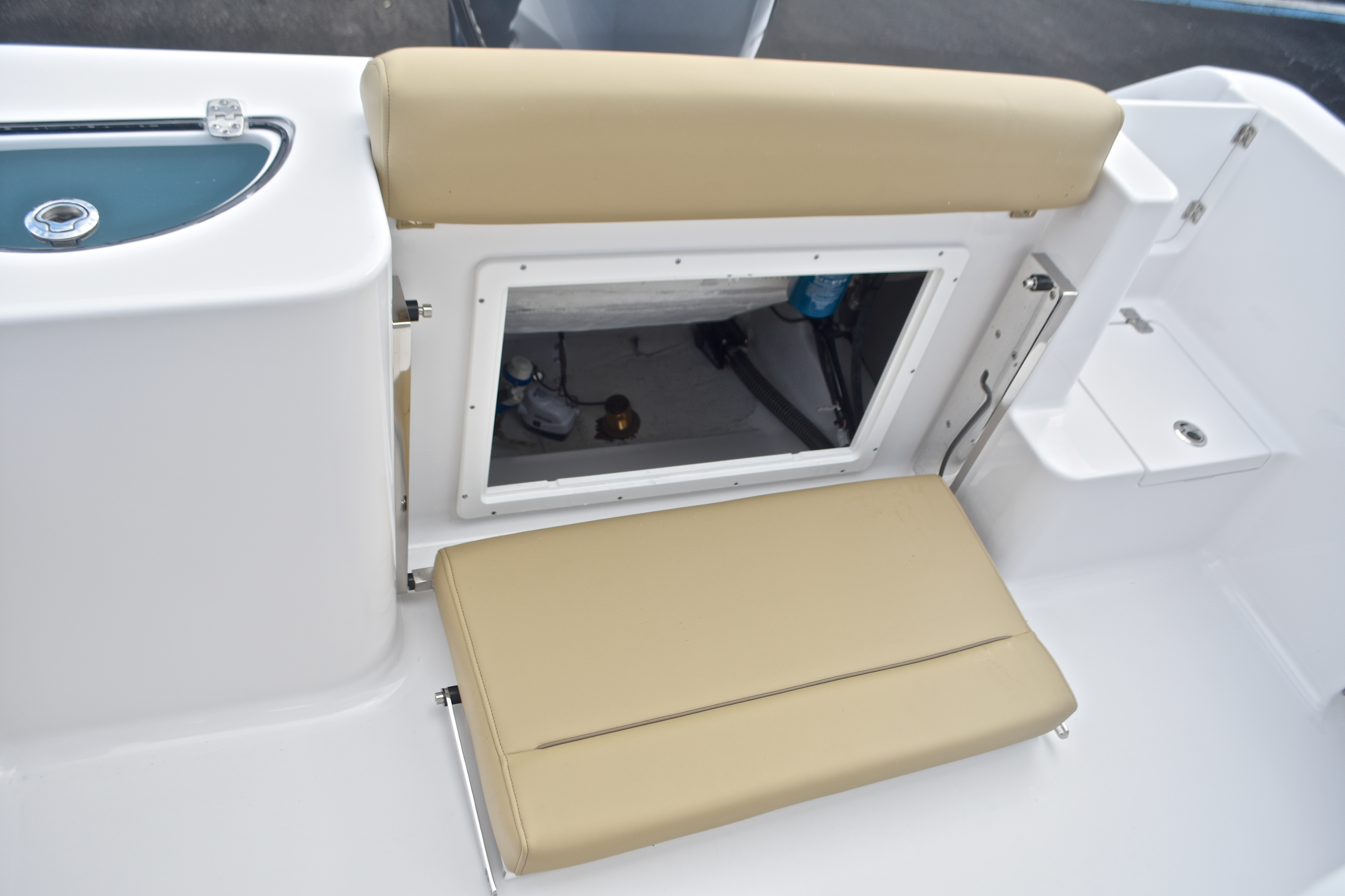 Thumbnail 20 for New 2017 Sportsman Open 232 Center Console boat for sale in West Palm Beach, FL
