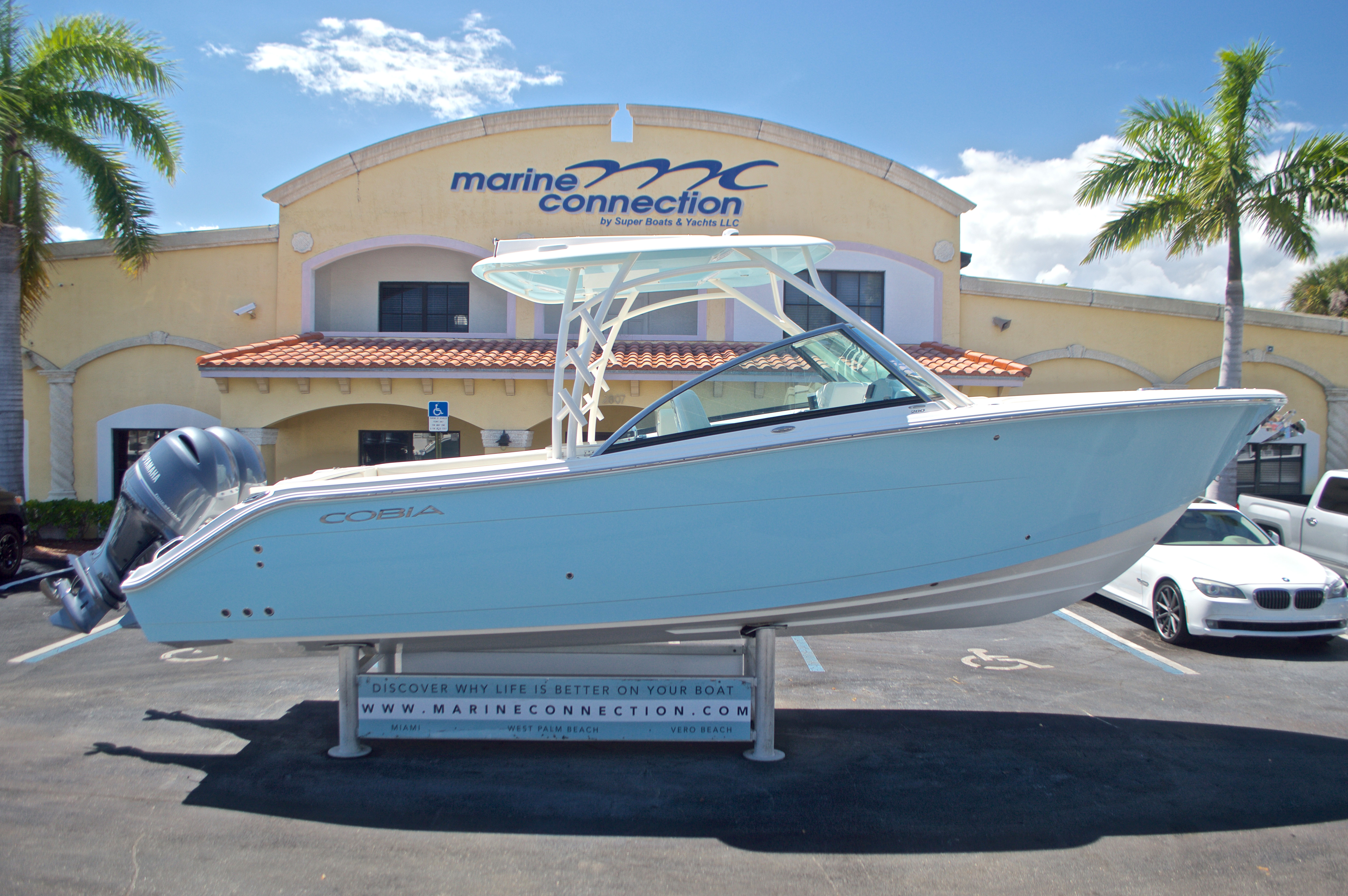 Thumbnail 35 for New 2017 Cobia 280 DC Dual Console boat for sale in West Palm Beach, FL
