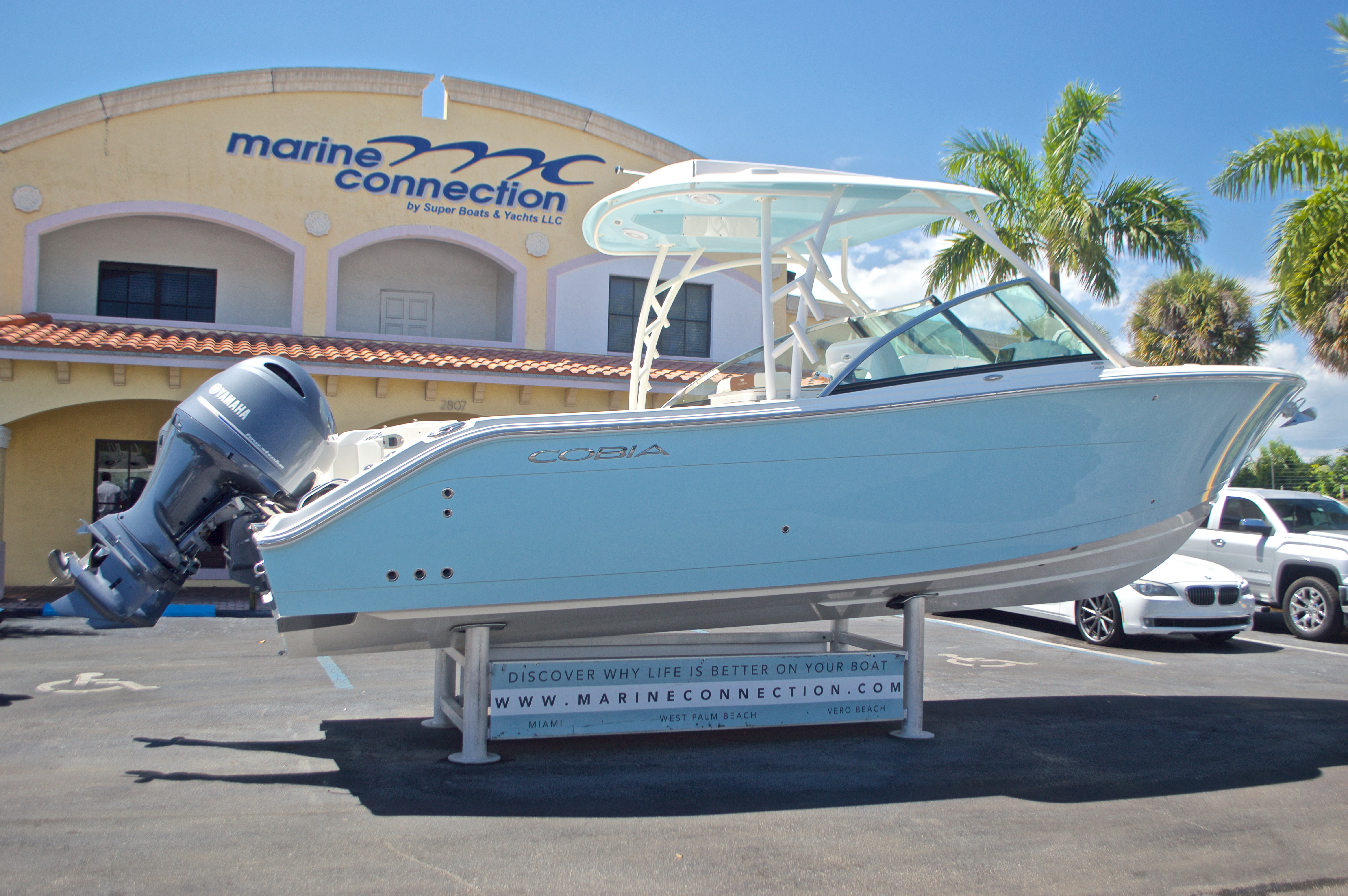 Thumbnail 46 for New 2017 Cobia 280 DC Dual Console boat for sale in West Palm Beach, FL