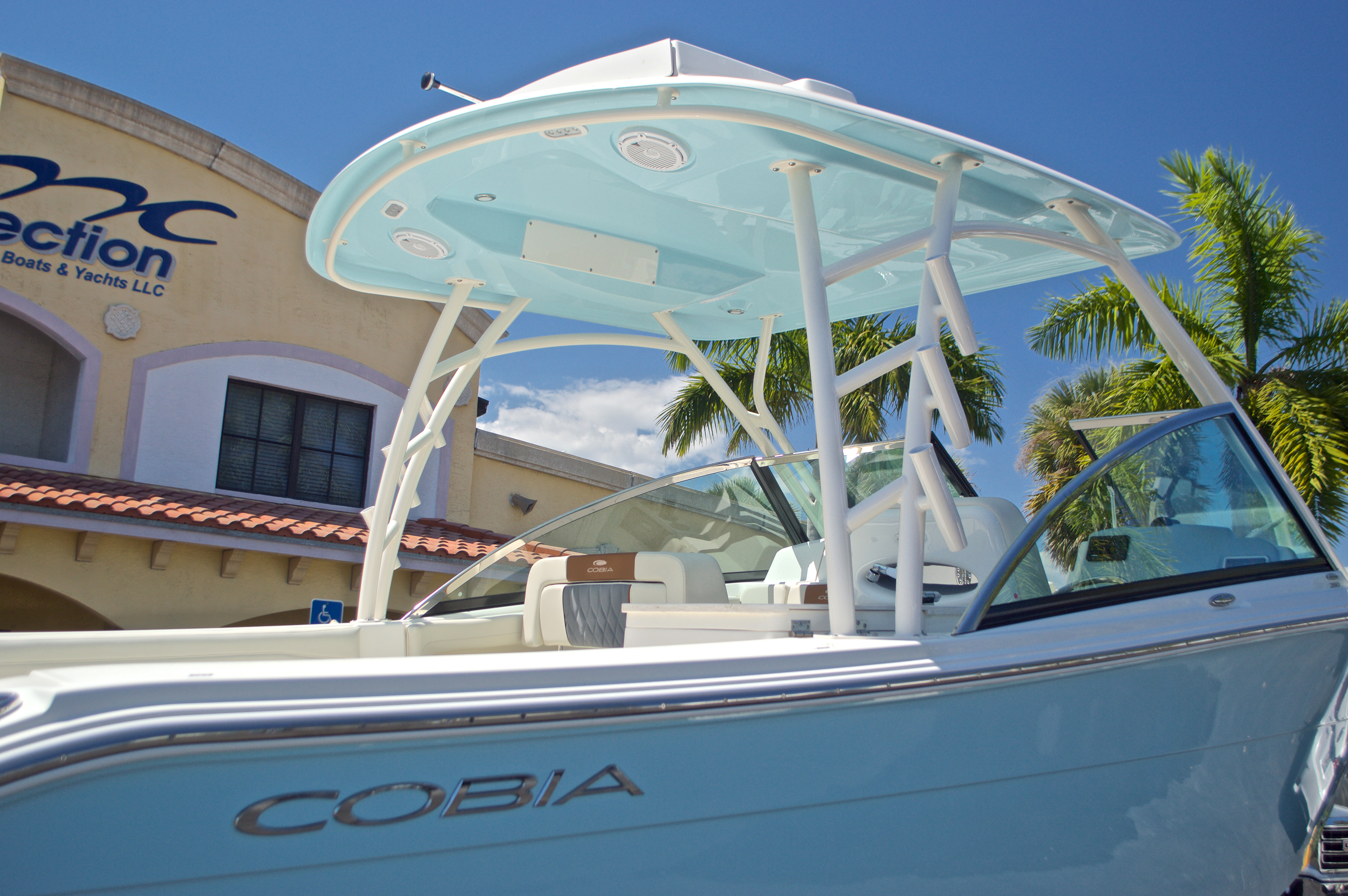 Thumbnail 47 for New 2017 Cobia 280 DC Dual Console boat for sale in West Palm Beach, FL