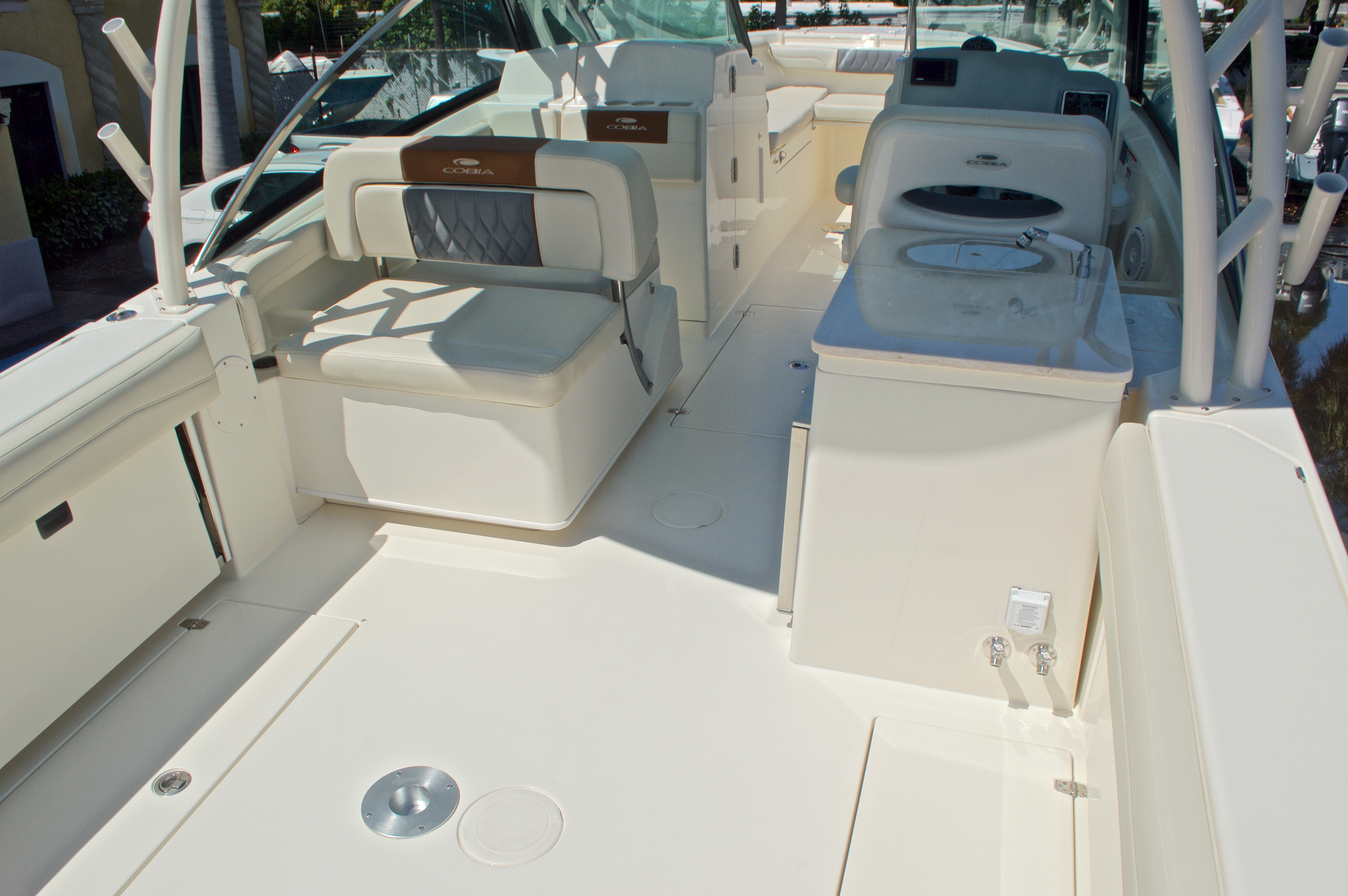 Thumbnail 48 for New 2017 Cobia 280 DC Dual Console boat for sale in West Palm Beach, FL