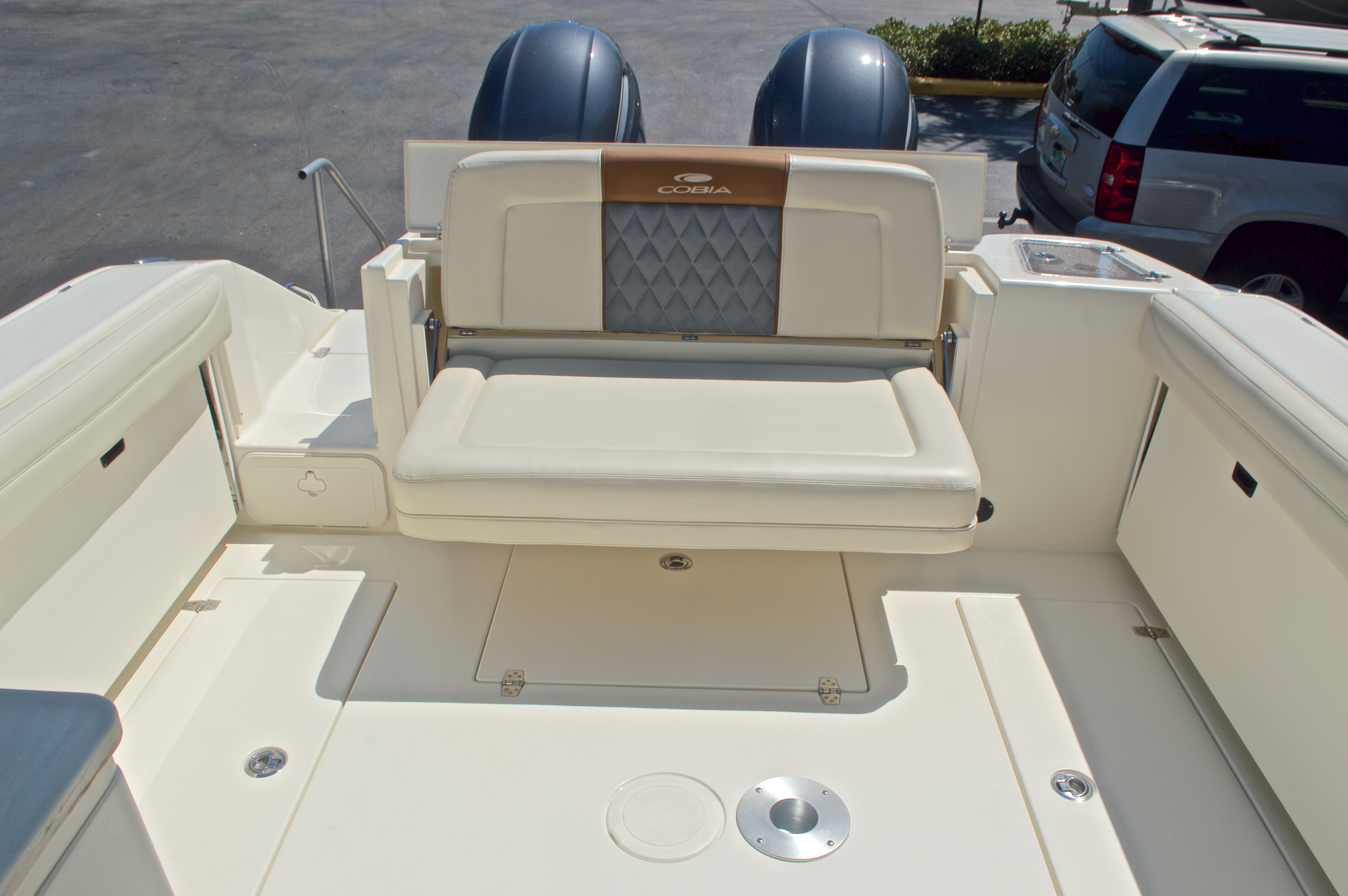 Thumbnail 54 for New 2017 Cobia 280 DC Dual Console boat for sale in West Palm Beach, FL