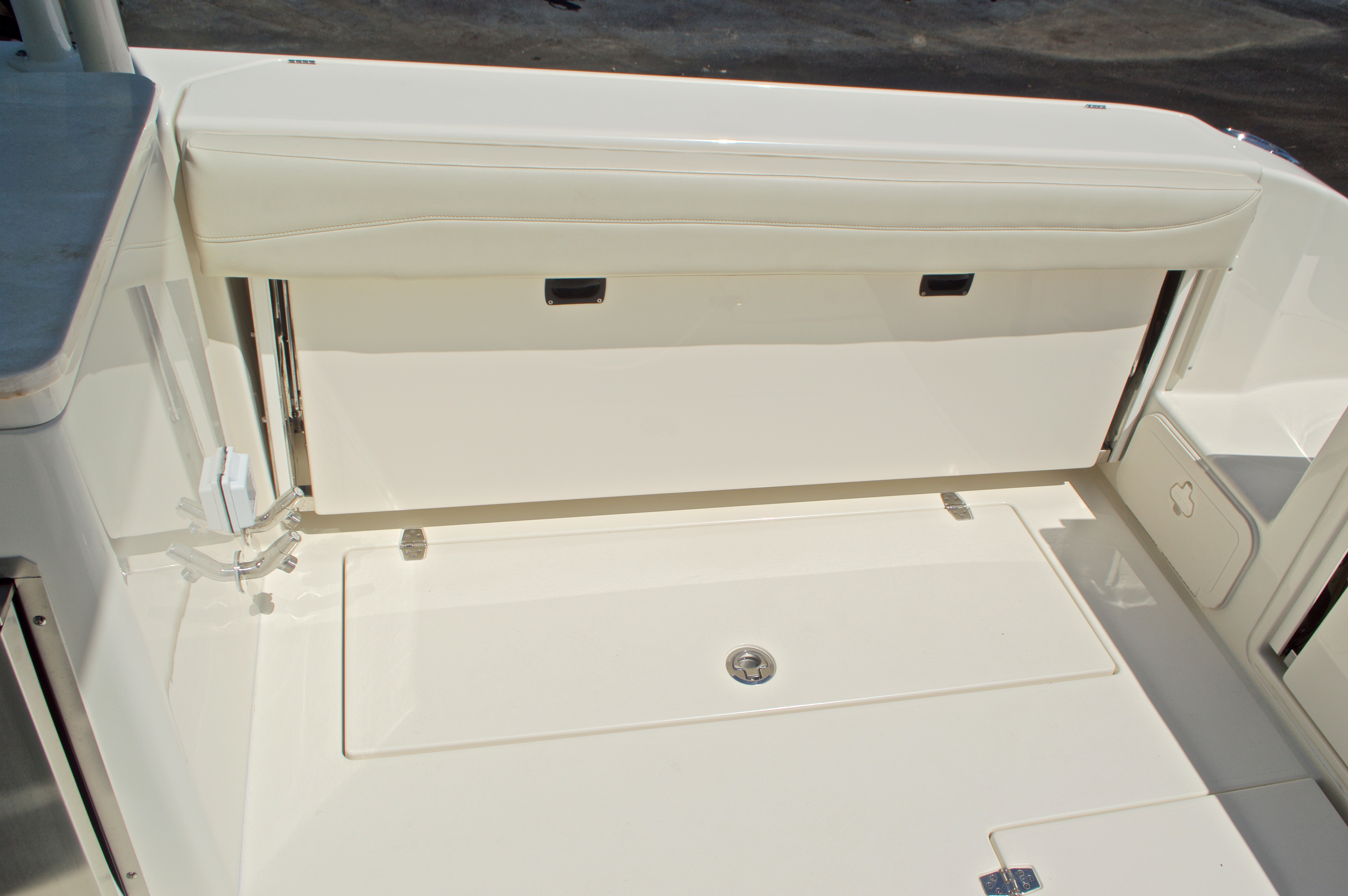 Thumbnail 61 for New 2017 Cobia 280 DC Dual Console boat for sale in West Palm Beach, FL