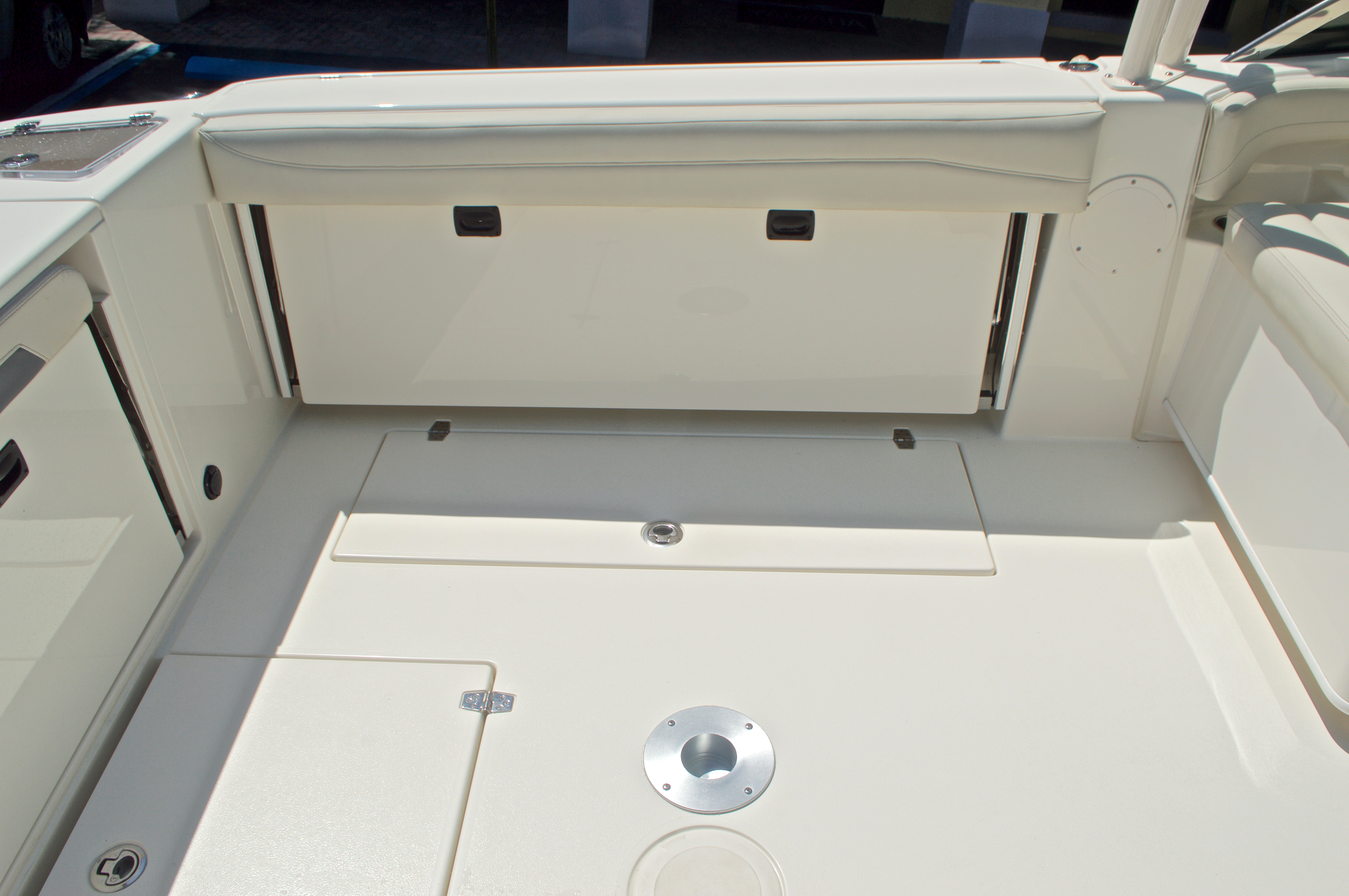 Thumbnail 70 for New 2017 Cobia 280 DC Dual Console boat for sale in West Palm Beach, FL
