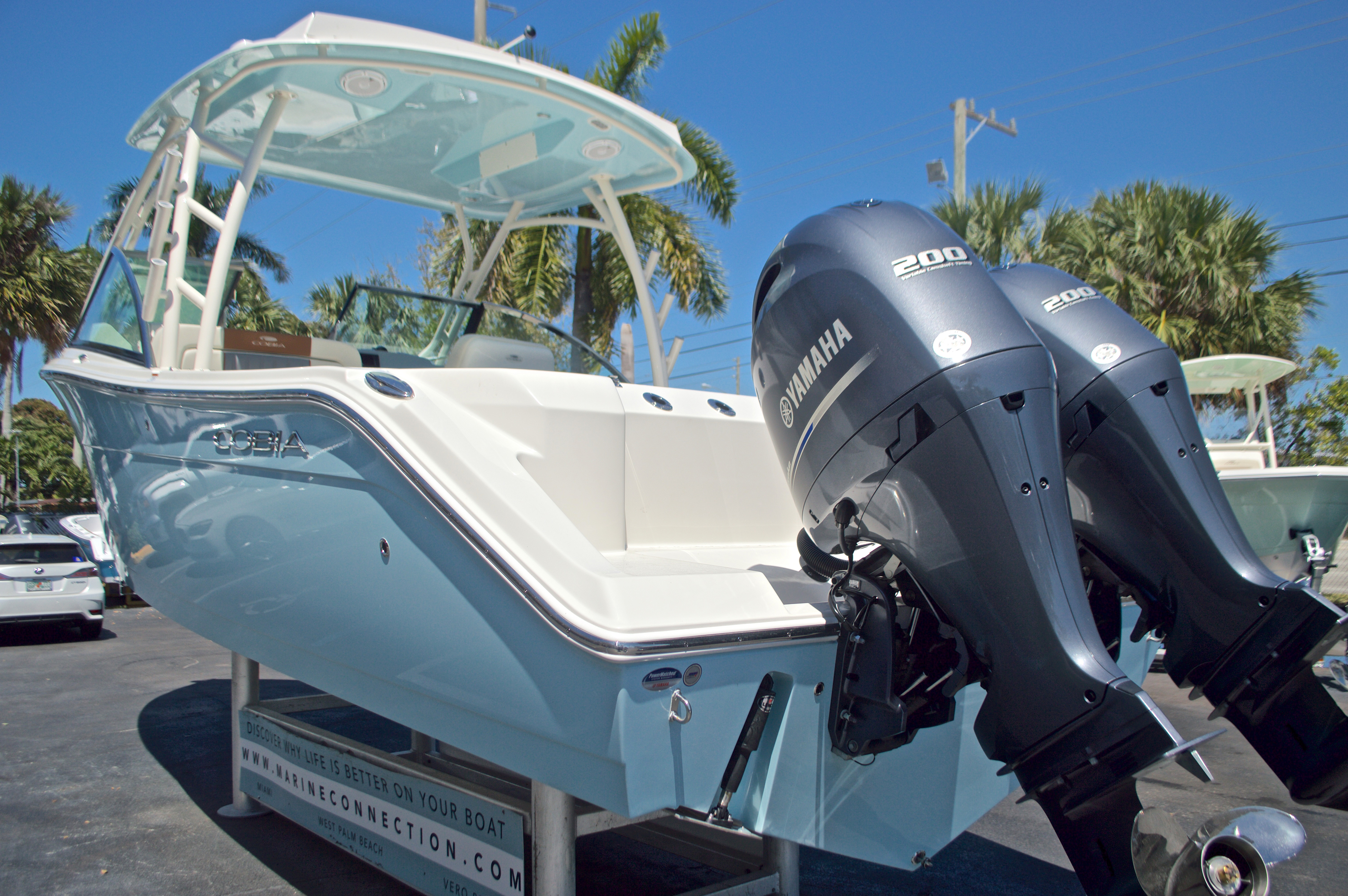 Thumbnail 44 for New 2017 Cobia 280 DC Dual Console boat for sale in West Palm Beach, FL