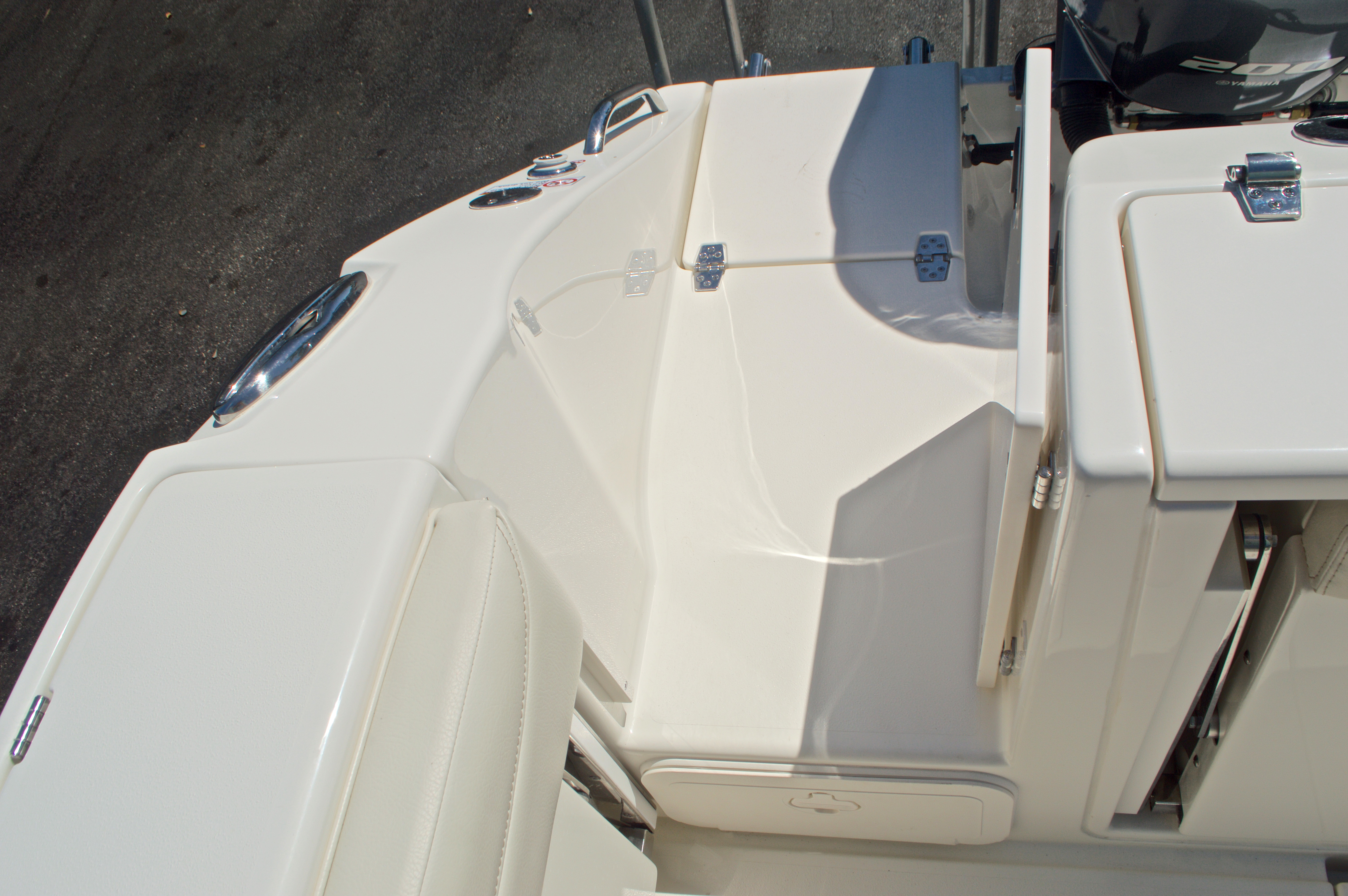 Thumbnail 51 for New 2017 Cobia 280 DC Dual Console boat for sale in West Palm Beach, FL