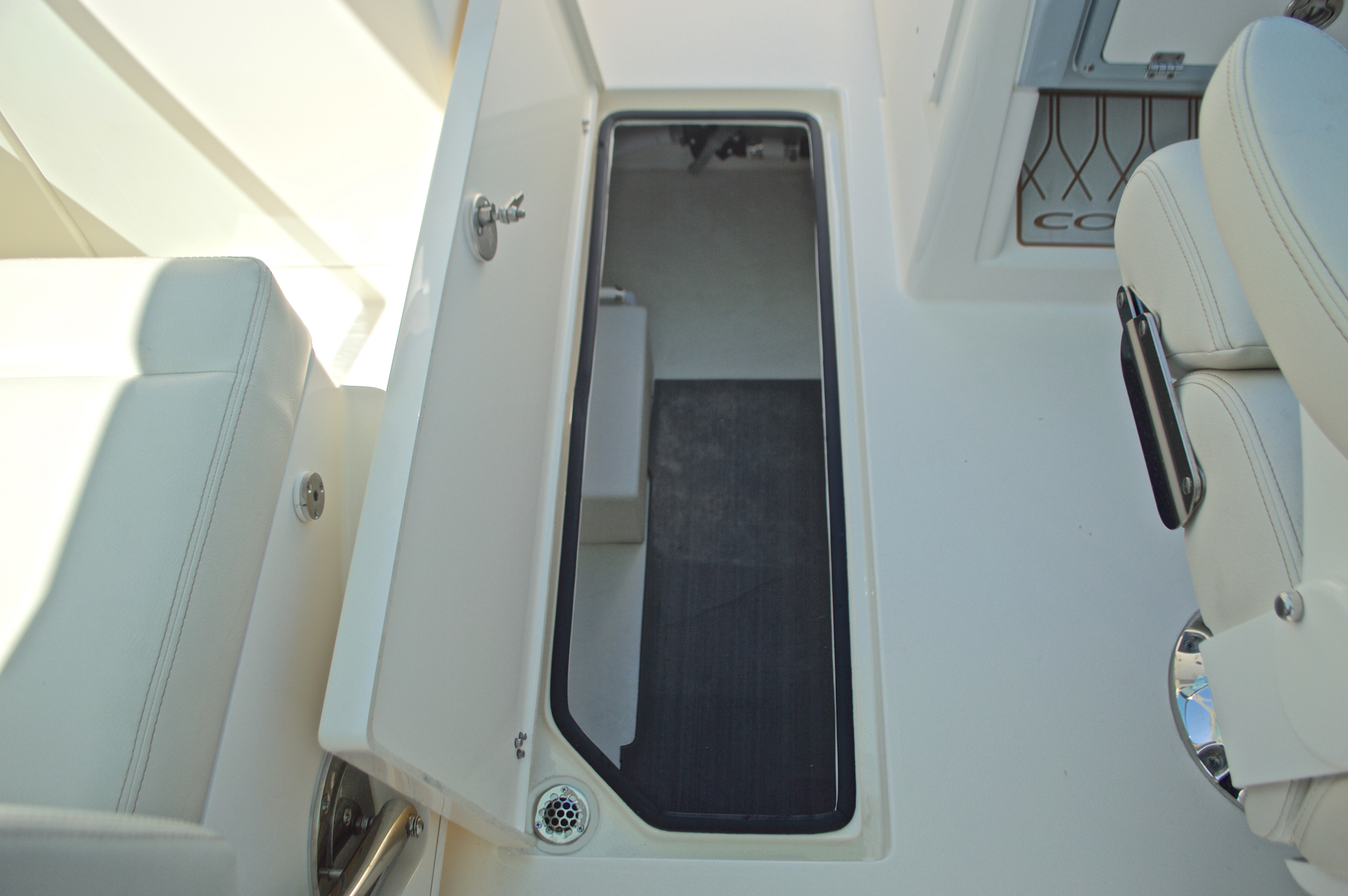 Thumbnail 89 for New 2017 Cobia 280 DC Dual Console boat for sale in West Palm Beach, FL