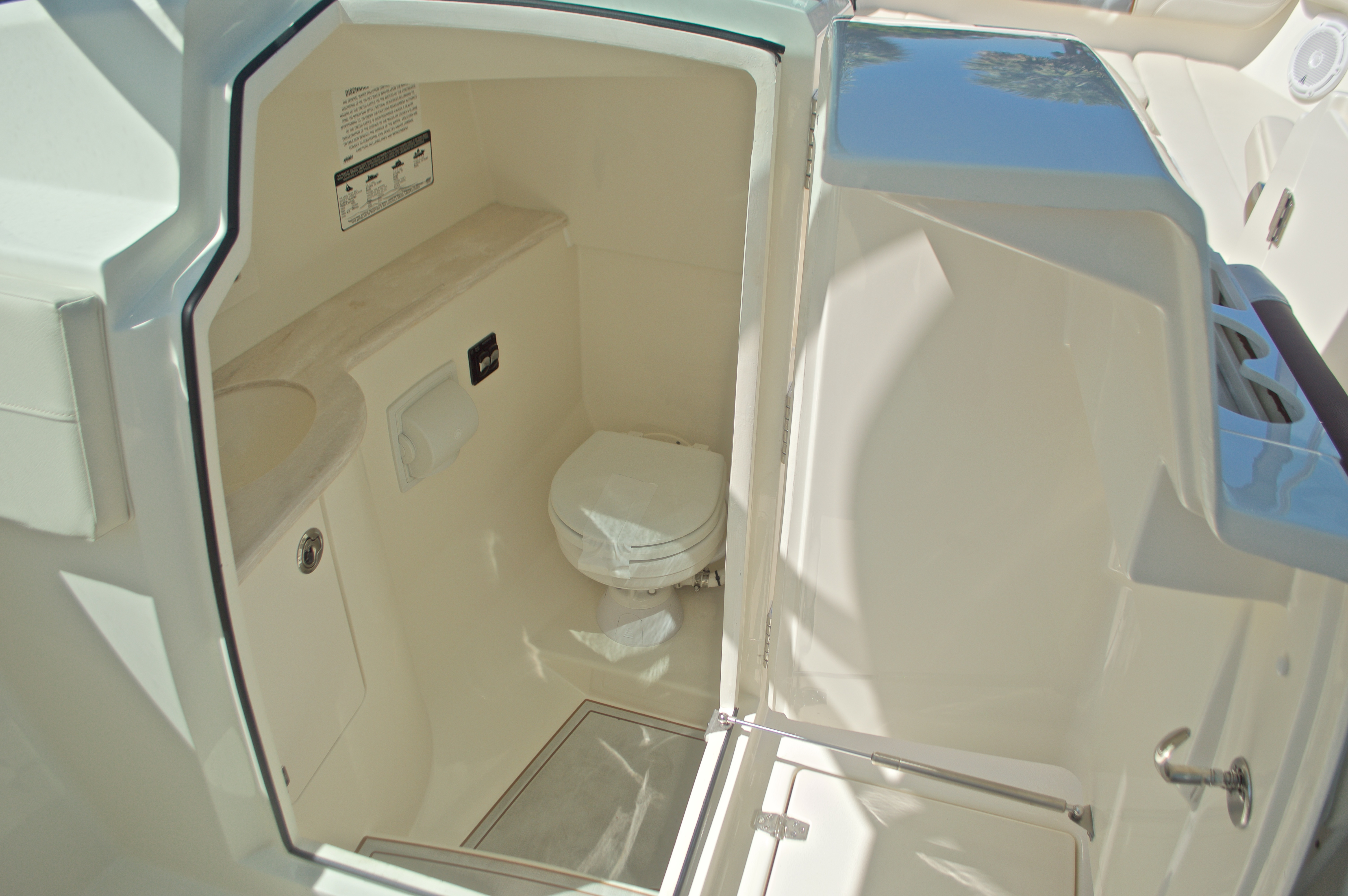 Thumbnail 91 for New 2017 Cobia 280 DC Dual Console boat for sale in West Palm Beach, FL