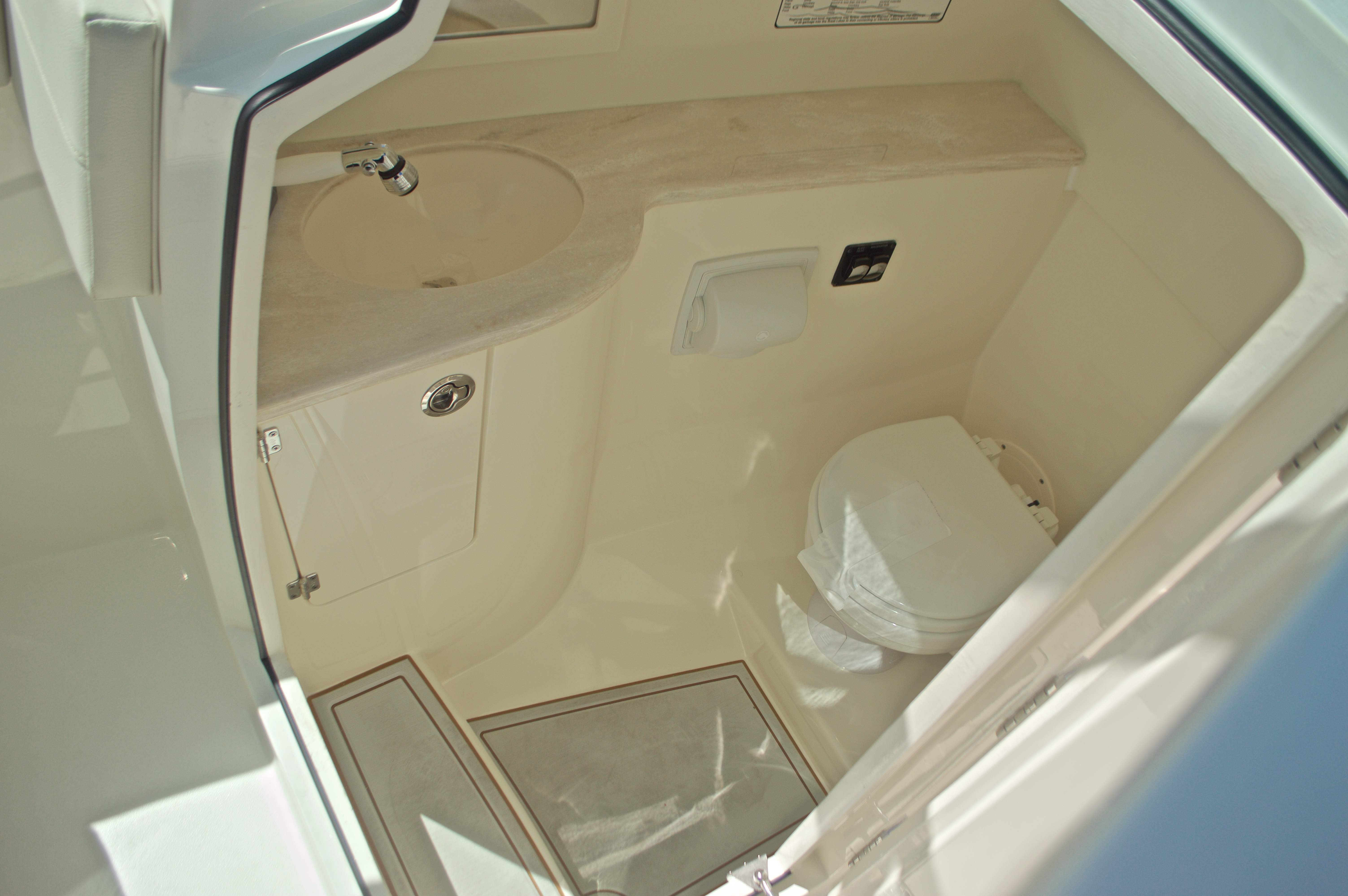 Thumbnail 92 for New 2017 Cobia 280 DC Dual Console boat for sale in West Palm Beach, FL