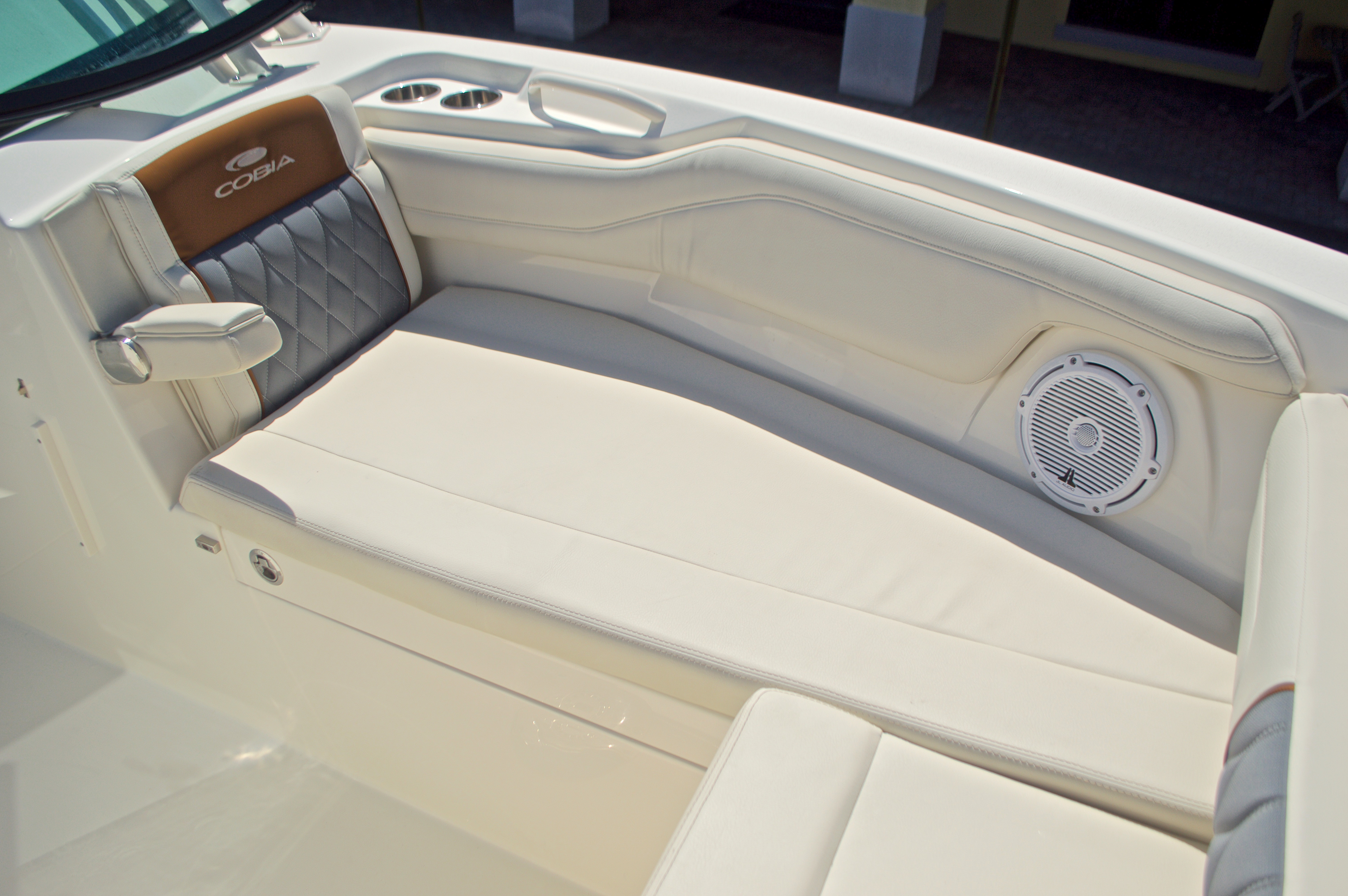 Thumbnail 120 for New 2017 Cobia 280 DC Dual Console boat for sale in West Palm Beach, FL