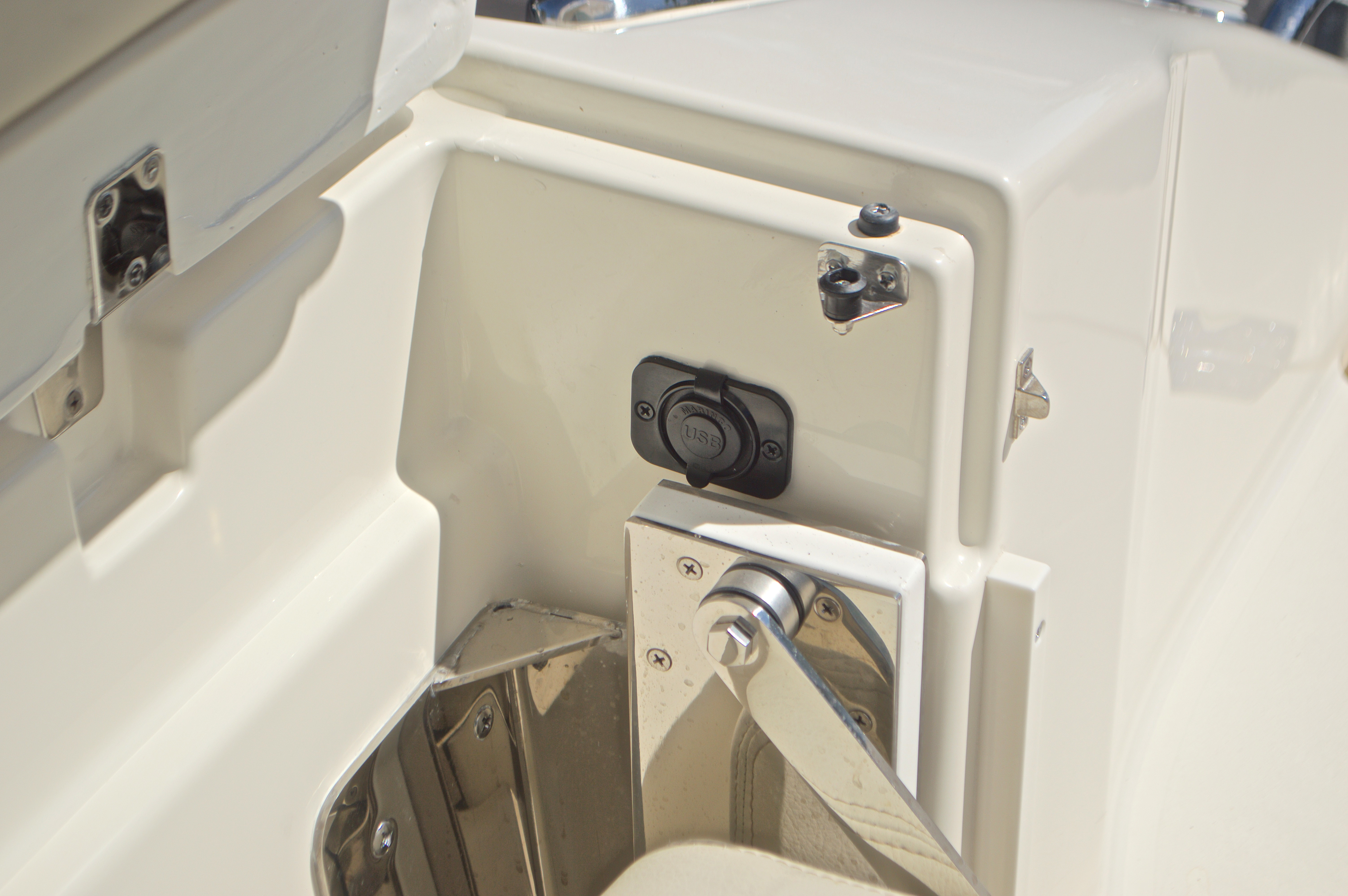 Thumbnail 63 for New 2017 Cobia 280 DC Dual Console boat for sale in West Palm Beach, FL