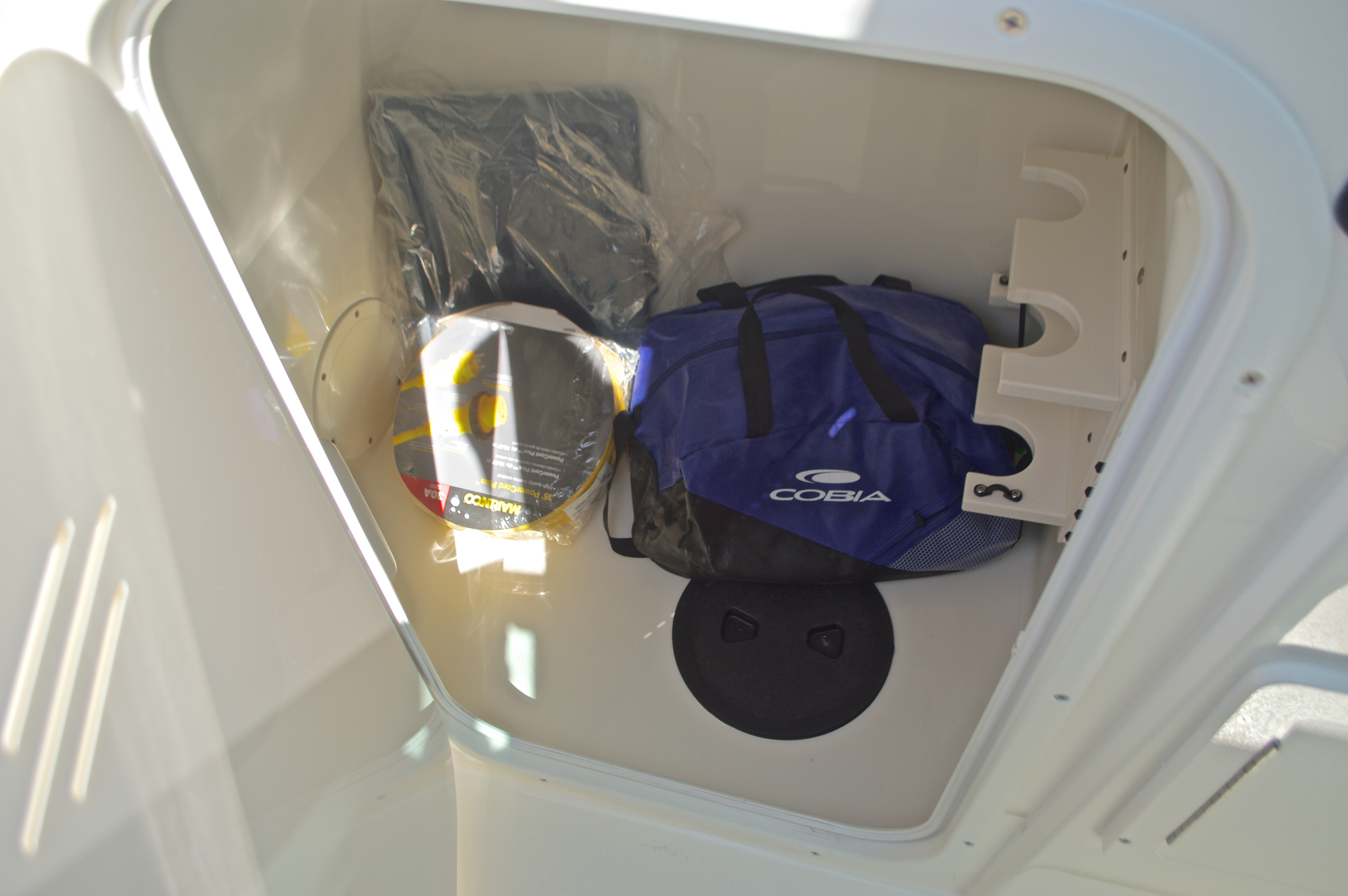 Thumbnail 118 for New 2017 Cobia 280 DC Dual Console boat for sale in West Palm Beach, FL