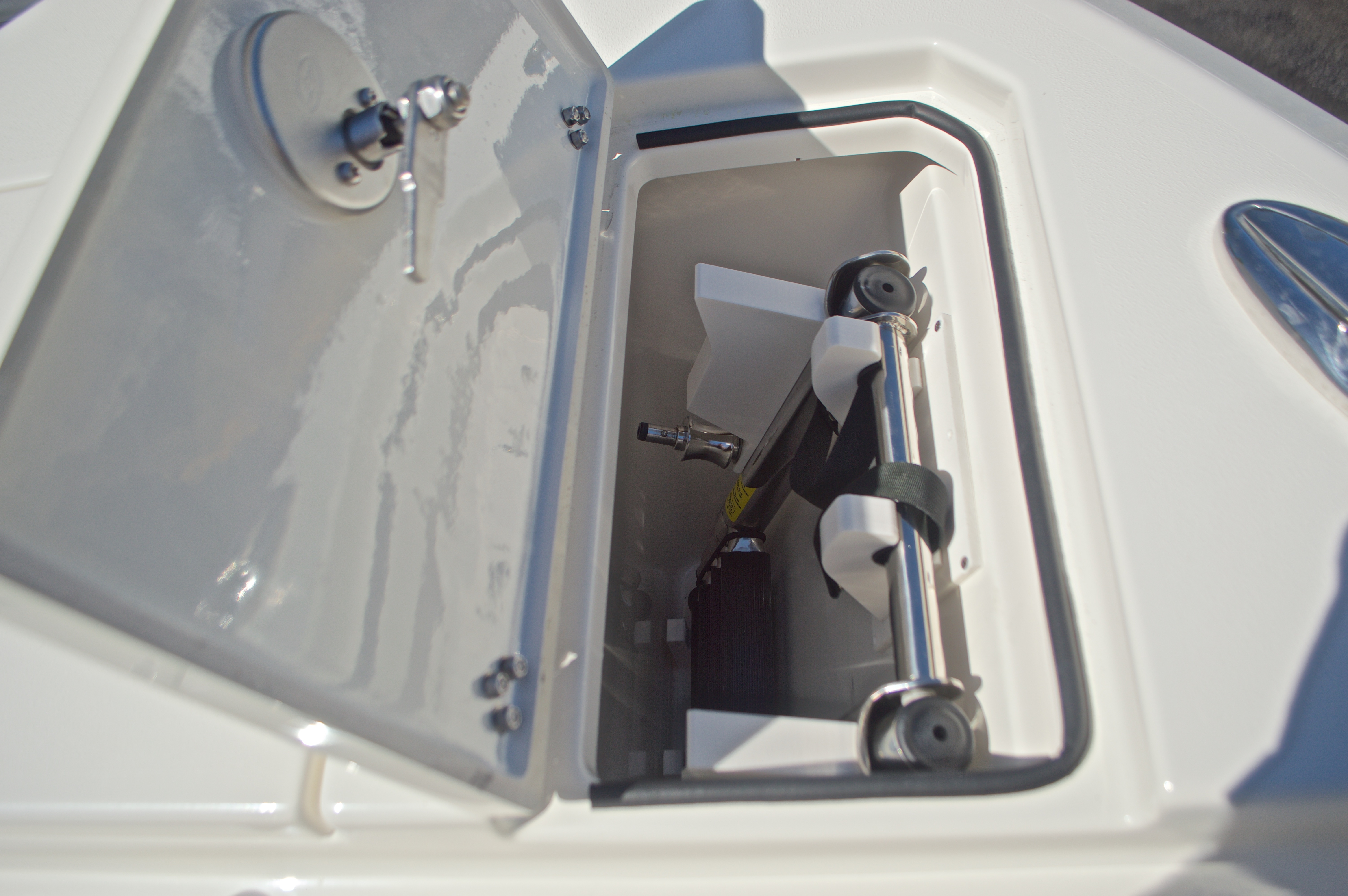 Thumbnail 133 for New 2017 Cobia 280 DC Dual Console boat for sale in West Palm Beach, FL
