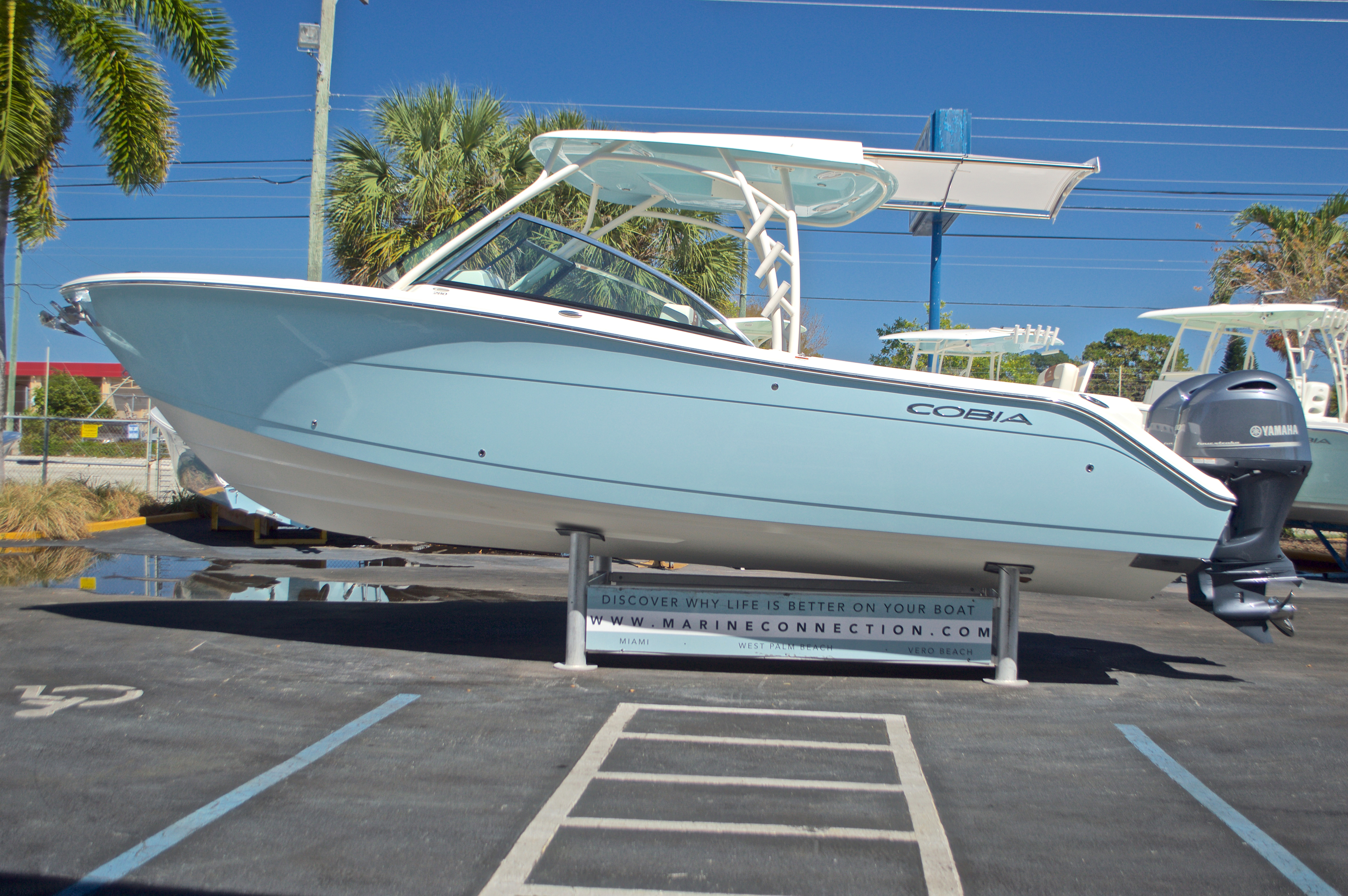 Thumbnail 30 for New 2017 Cobia 280 DC Dual Console boat for sale in West Palm Beach, FL