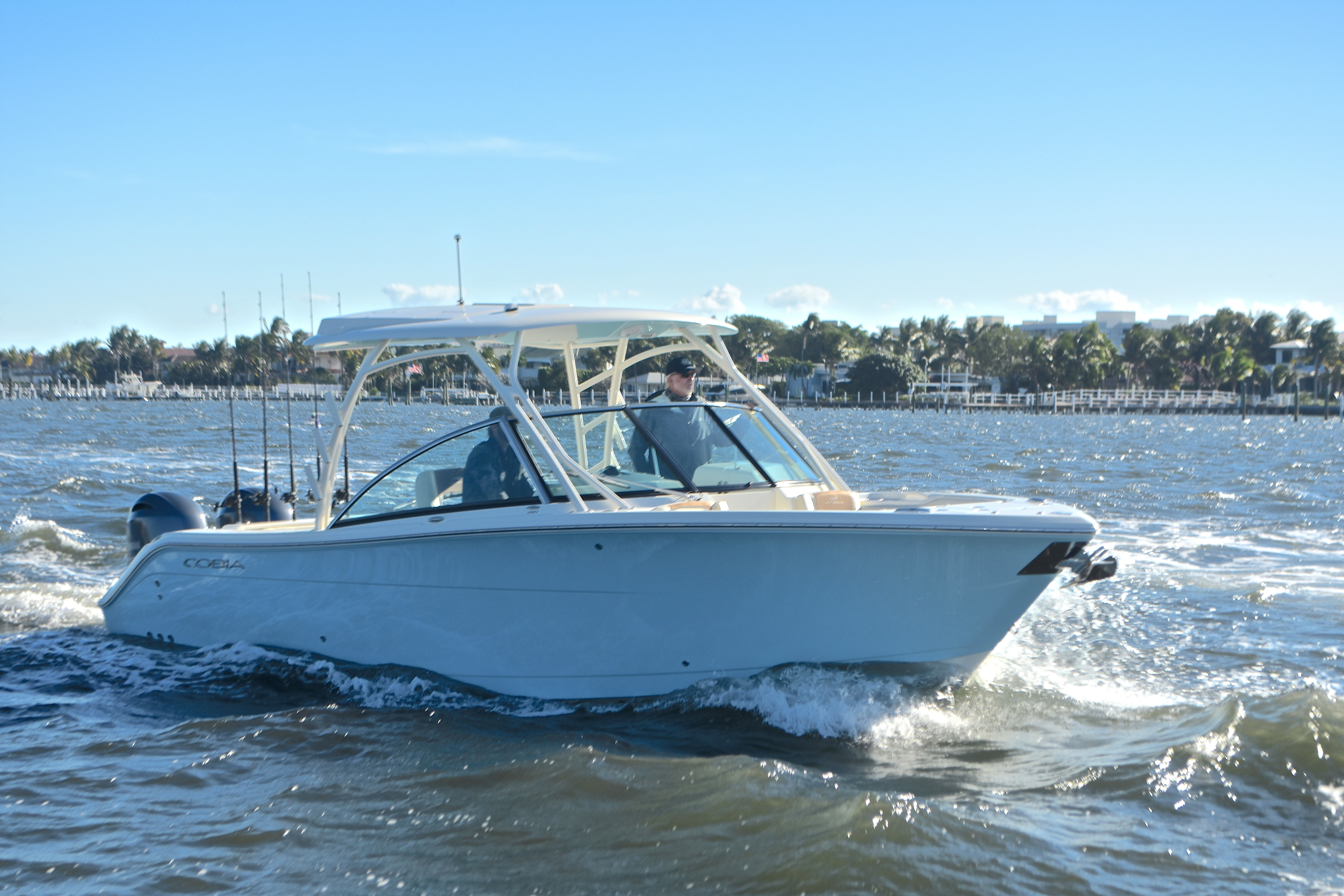 Thumbnail 16 for New 2017 Cobia 280 DC Dual Console boat for sale in West Palm Beach, FL