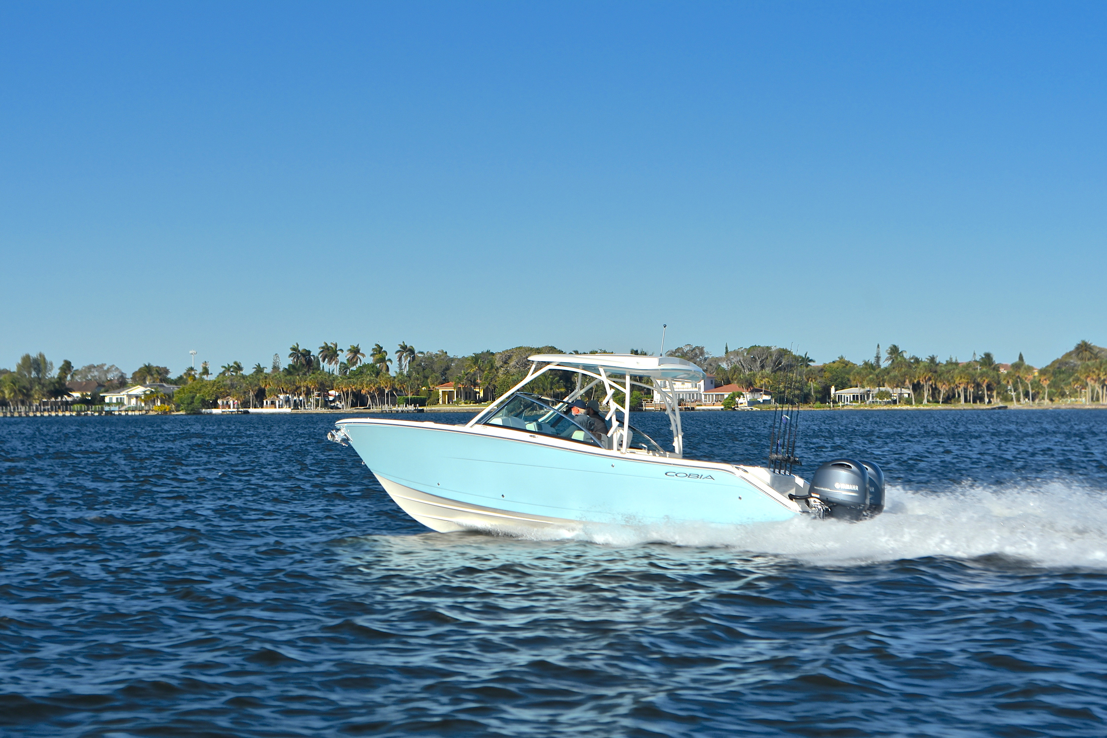 Thumbnail 15 for New 2017 Cobia 280 DC Dual Console boat for sale in West Palm Beach, FL