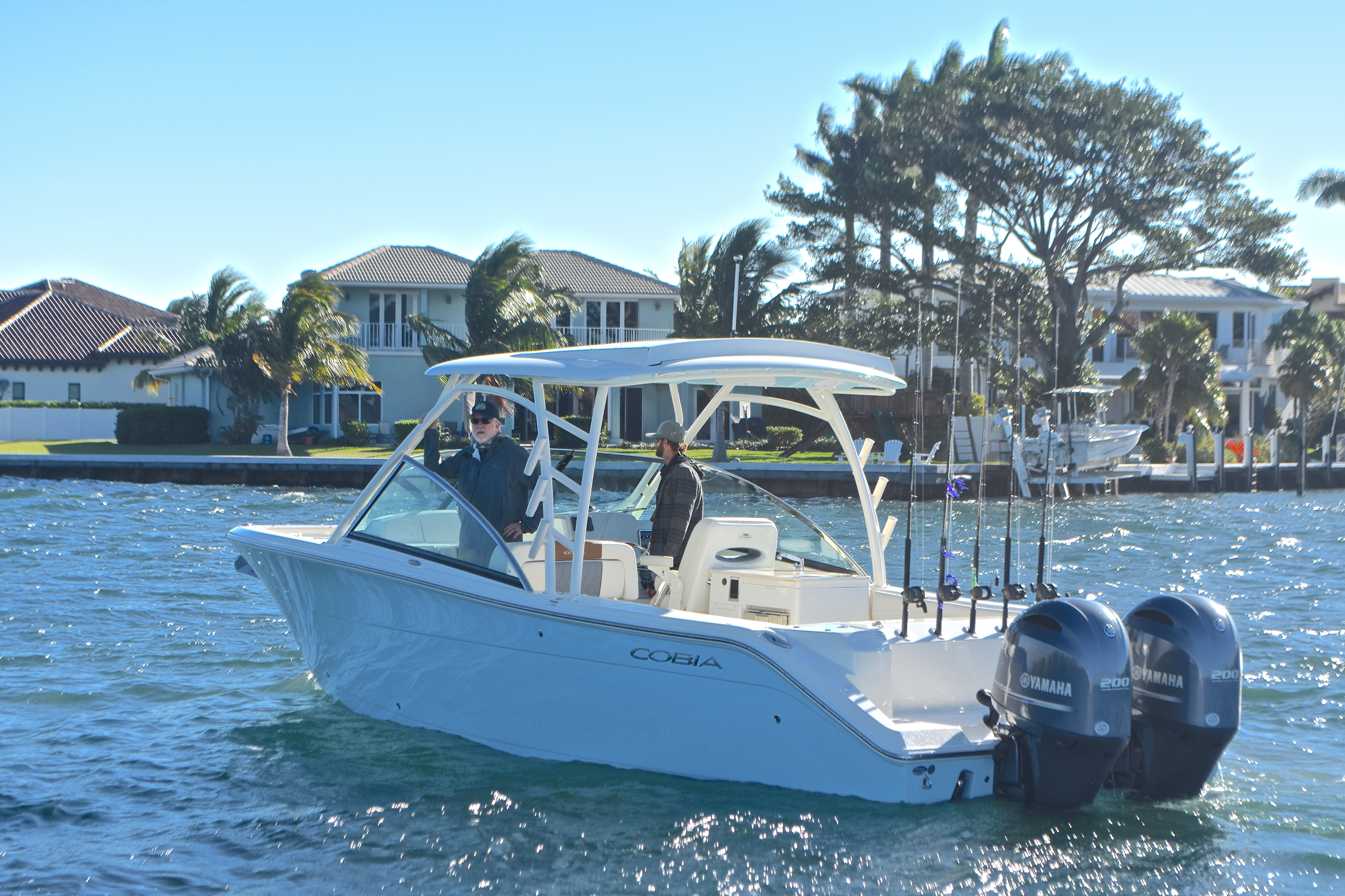 Thumbnail 6 for New 2017 Cobia 280 DC Dual Console boat for sale in West Palm Beach, FL