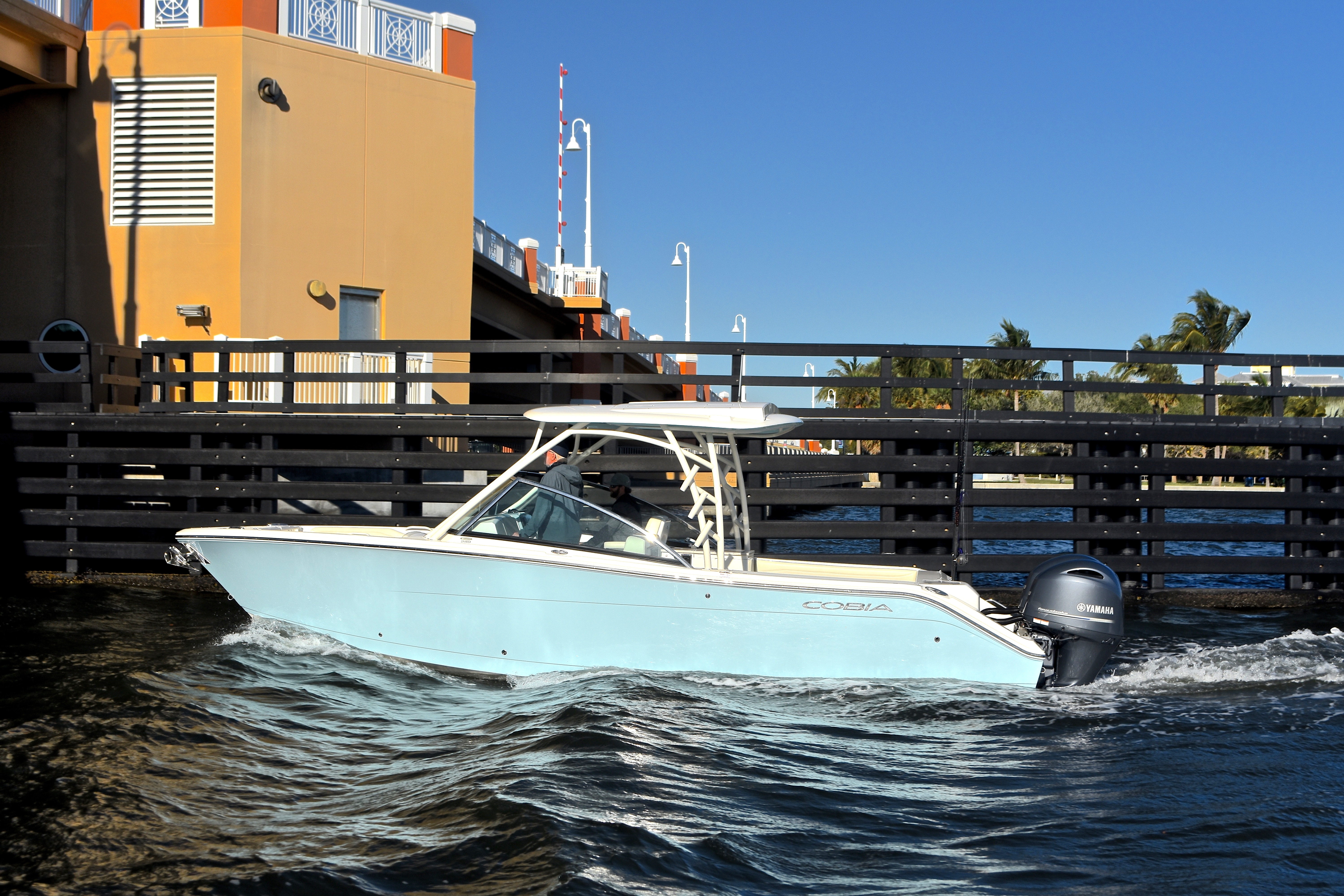 Thumbnail 19 for New 2017 Cobia 280 DC Dual Console boat for sale in West Palm Beach, FL