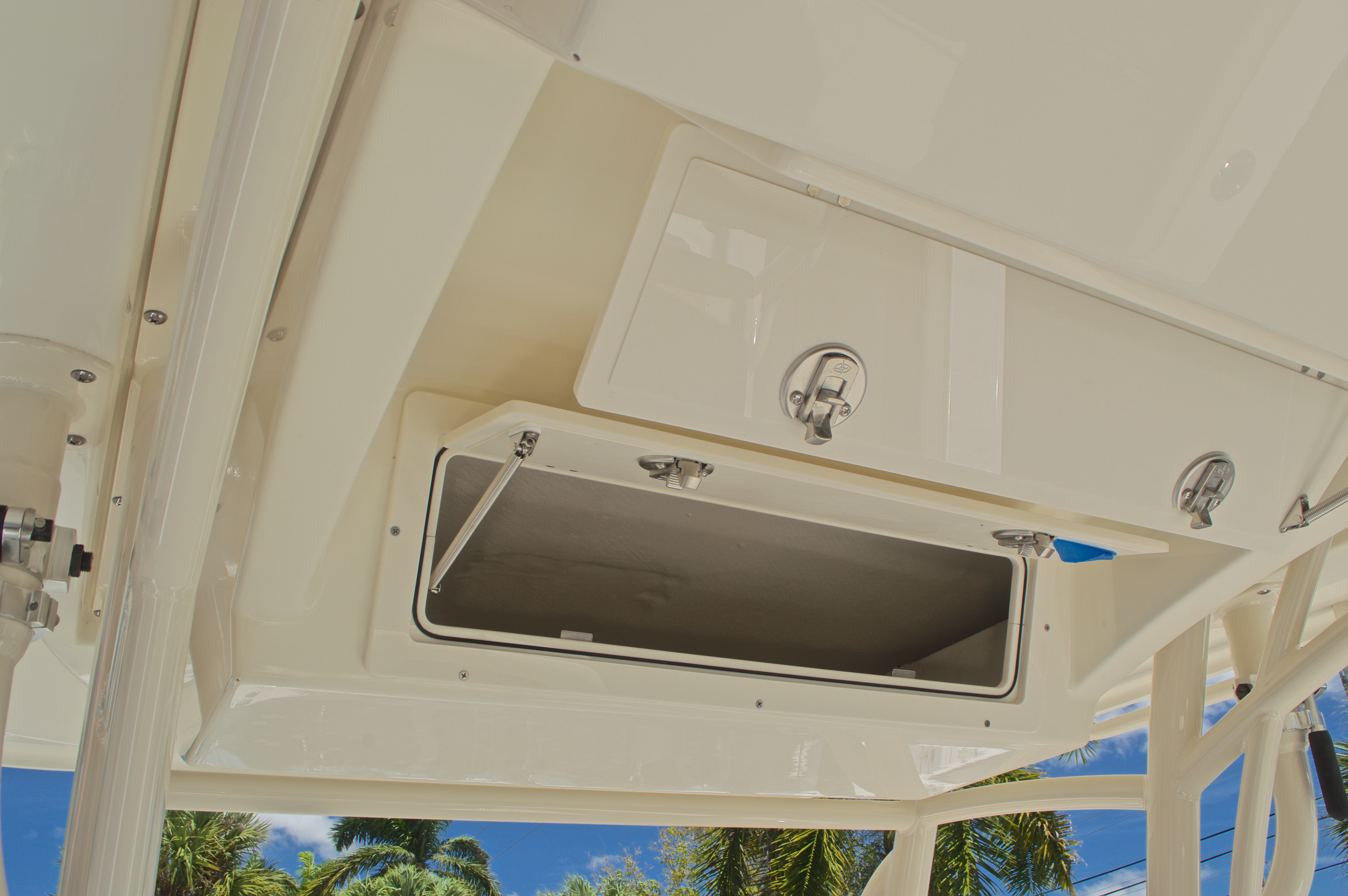Thumbnail 41 for New 2017 Cobia 237 Center Console boat for sale in West Palm Beach, FL