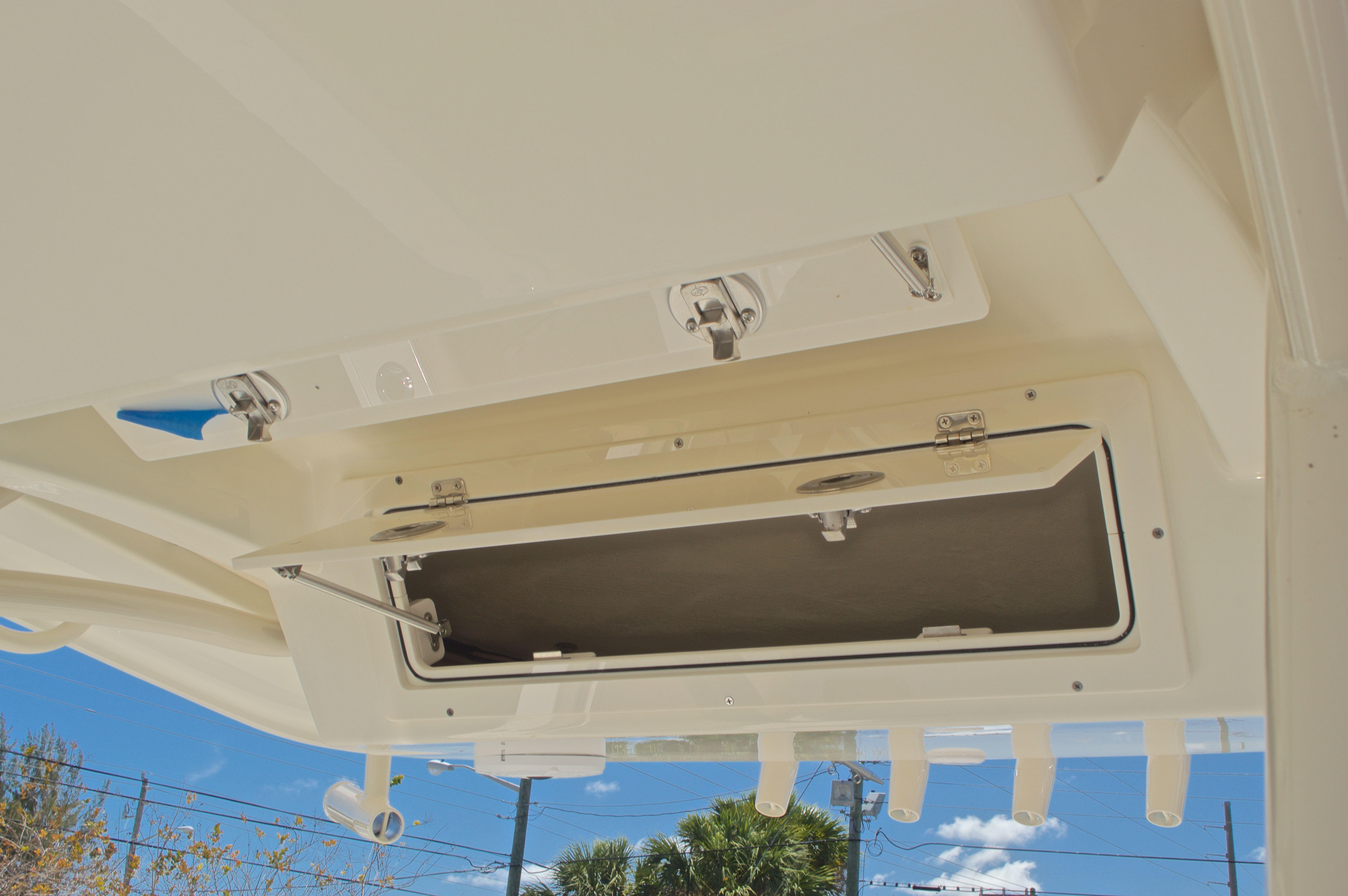 Thumbnail 42 for New 2017 Cobia 237 Center Console boat for sale in West Palm Beach, FL