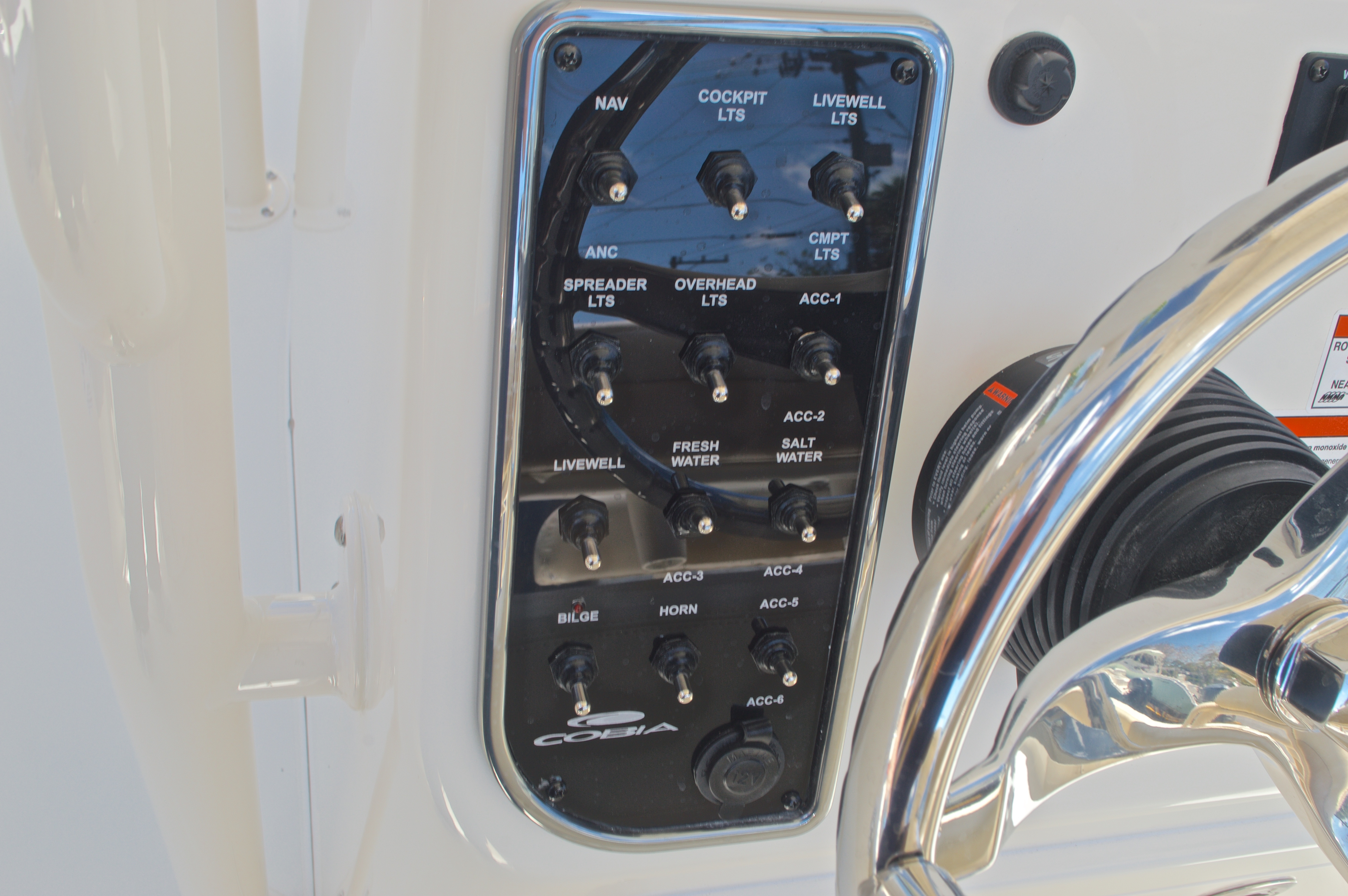 Thumbnail 35 for New 2017 Cobia 237 Center Console boat for sale in West Palm Beach, FL