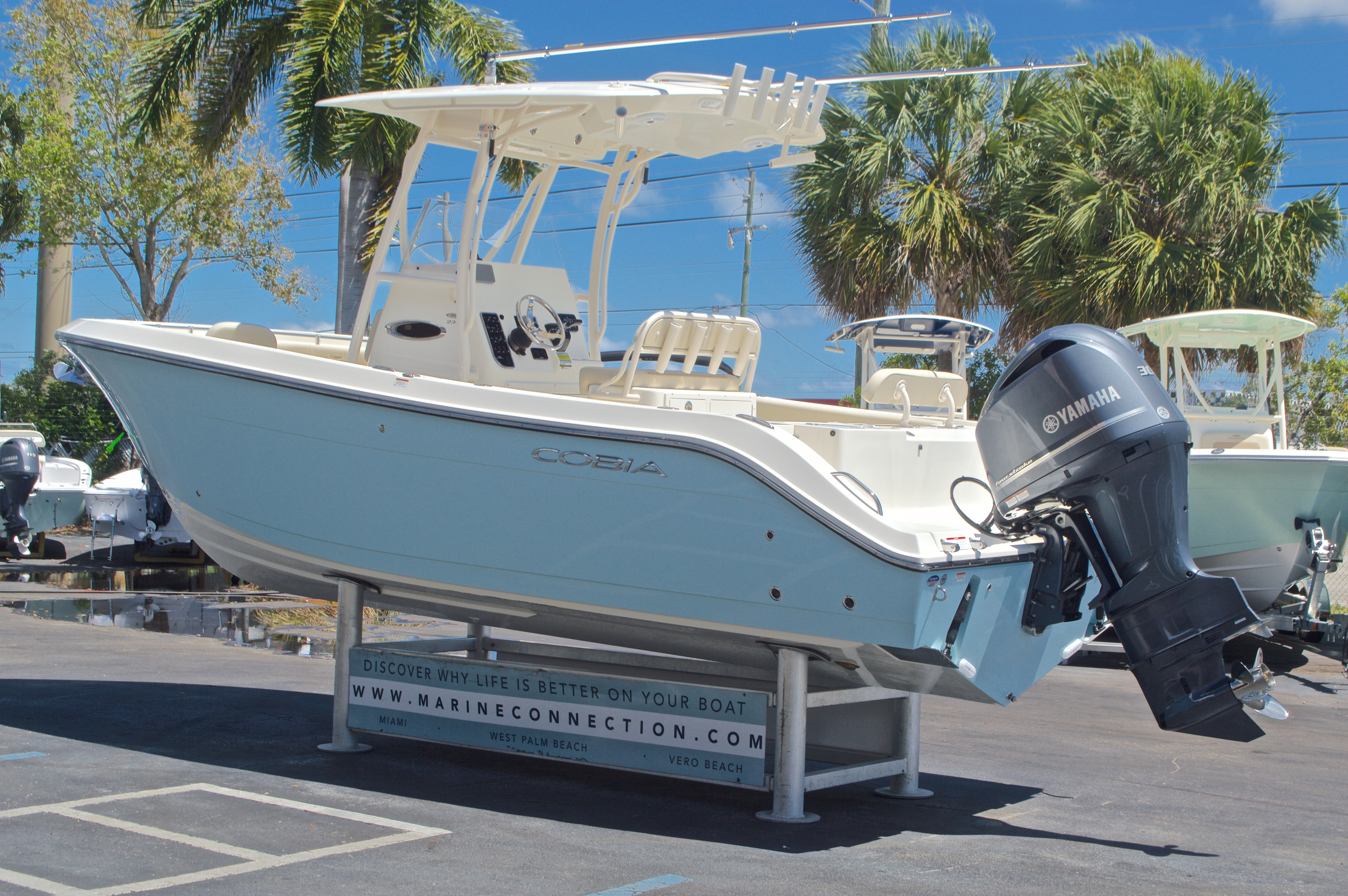 Thumbnail 6 for New 2017 Cobia 237 Center Console boat for sale in West Palm Beach, FL