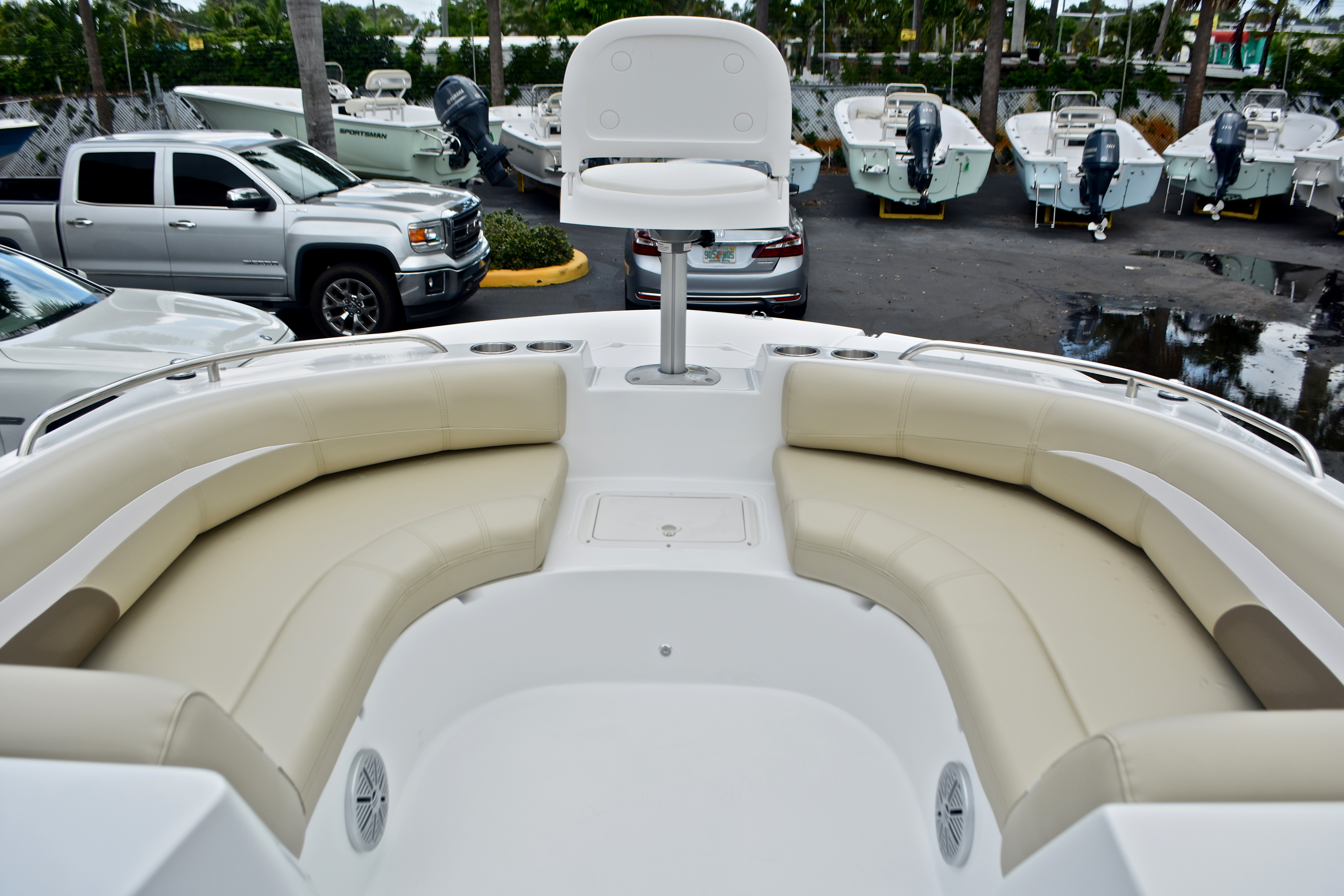 Thumbnail 34 for New 2017 Hurricane SunDeck Sport SS 188 OB boat for sale in West Palm Beach, FL