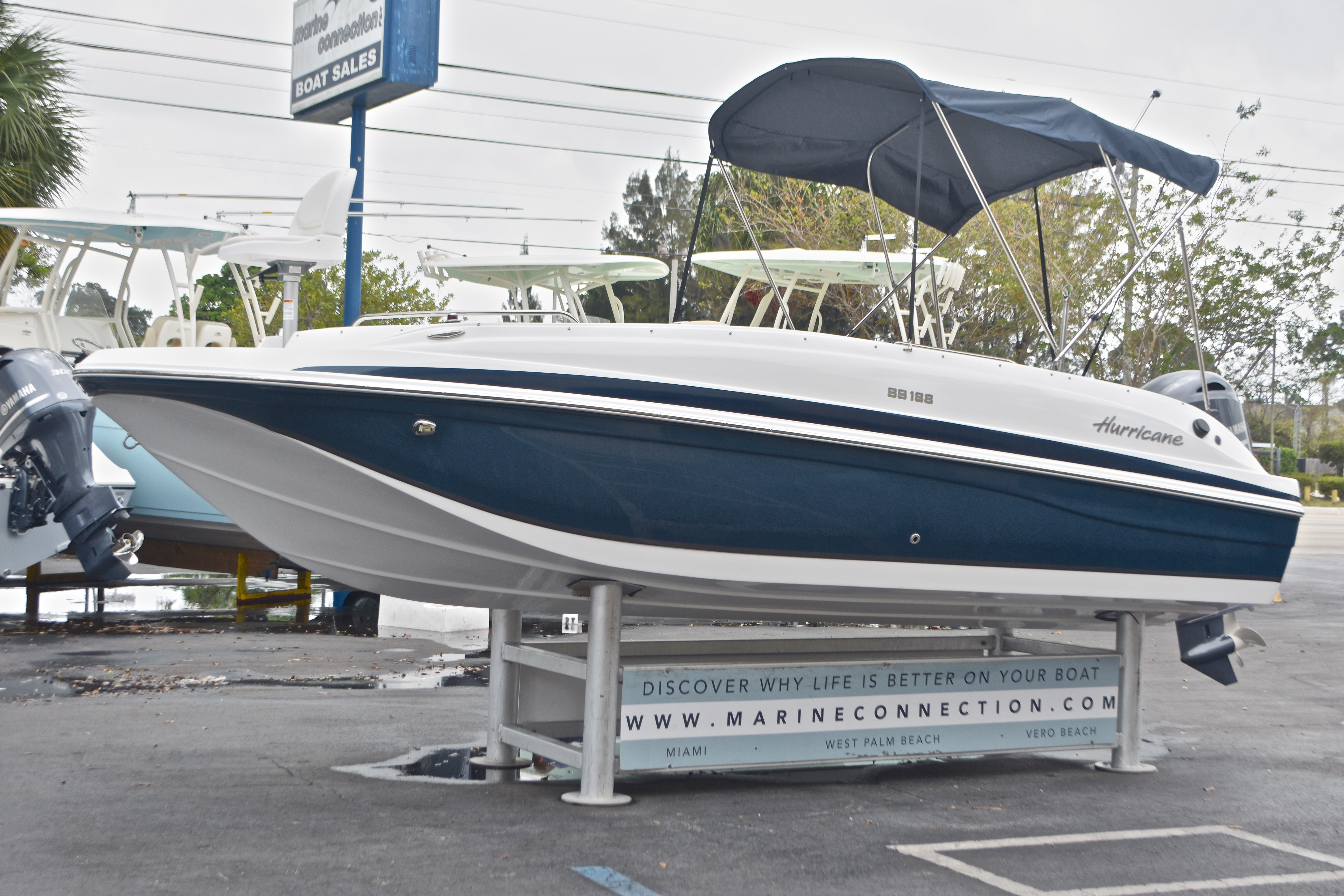 Thumbnail 3 for New 2017 Hurricane SunDeck Sport SS 188 OB boat for sale in West Palm Beach, FL