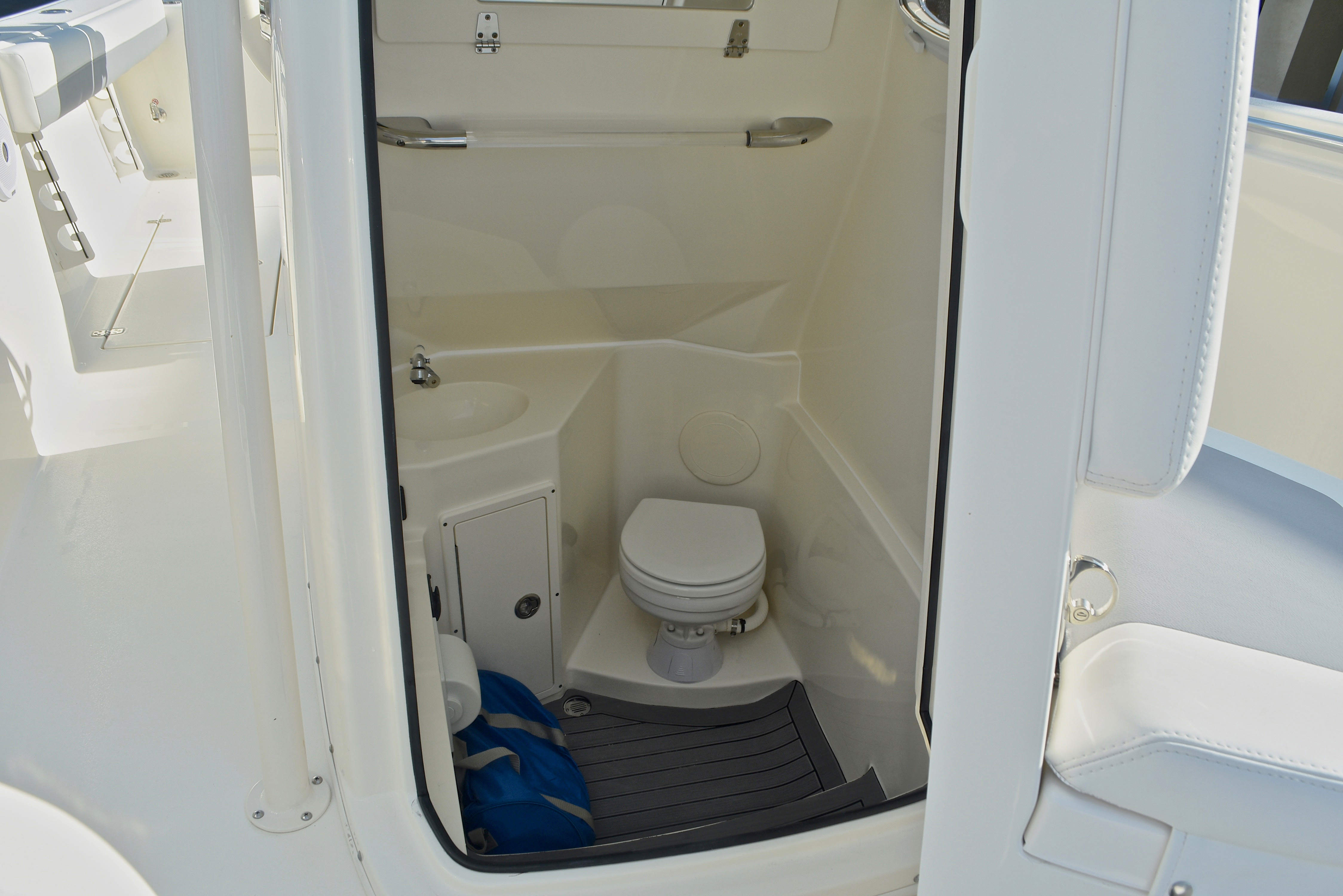 Thumbnail 52 for New 2017 Cobia 277 Center Console boat for sale in West Palm Beach, FL