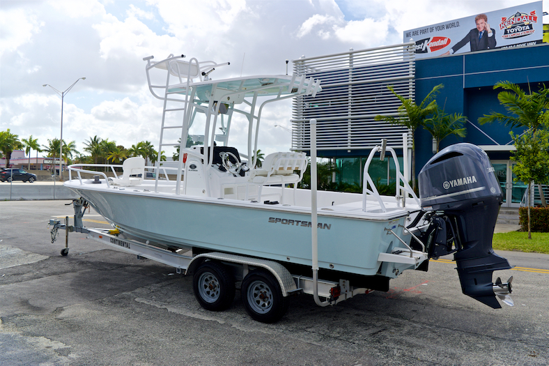 Thumbnail 5 for Used 2015 Sportsman Masters 247 Bay Boat boat for sale in Vero Beach, FL