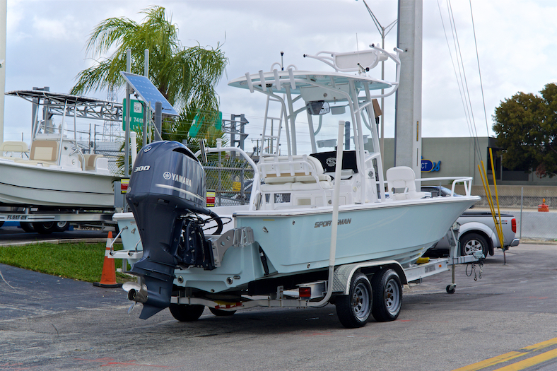 Thumbnail 7 for Used 2015 Sportsman Masters 247 Bay Boat boat for sale in Vero Beach, FL