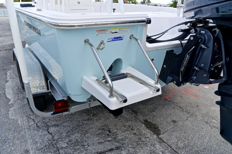 Thumbnail 18 for Used 2015 Sportsman Masters 247 Bay Boat boat for sale in Vero Beach, FL