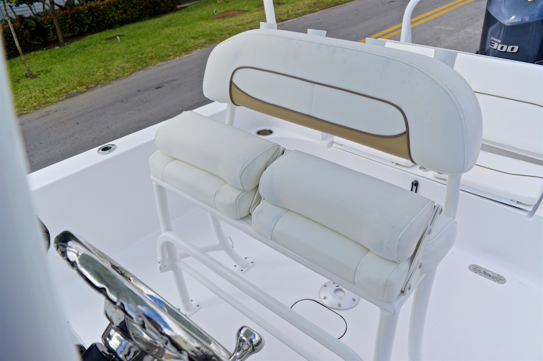 Thumbnail 30 for Used 2015 Sportsman Masters 247 Bay Boat boat for sale in Vero Beach, FL