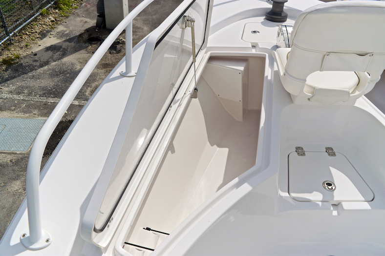 Thumbnail 41 for Used 2015 Sportsman Masters 247 Bay Boat boat for sale in Vero Beach, FL