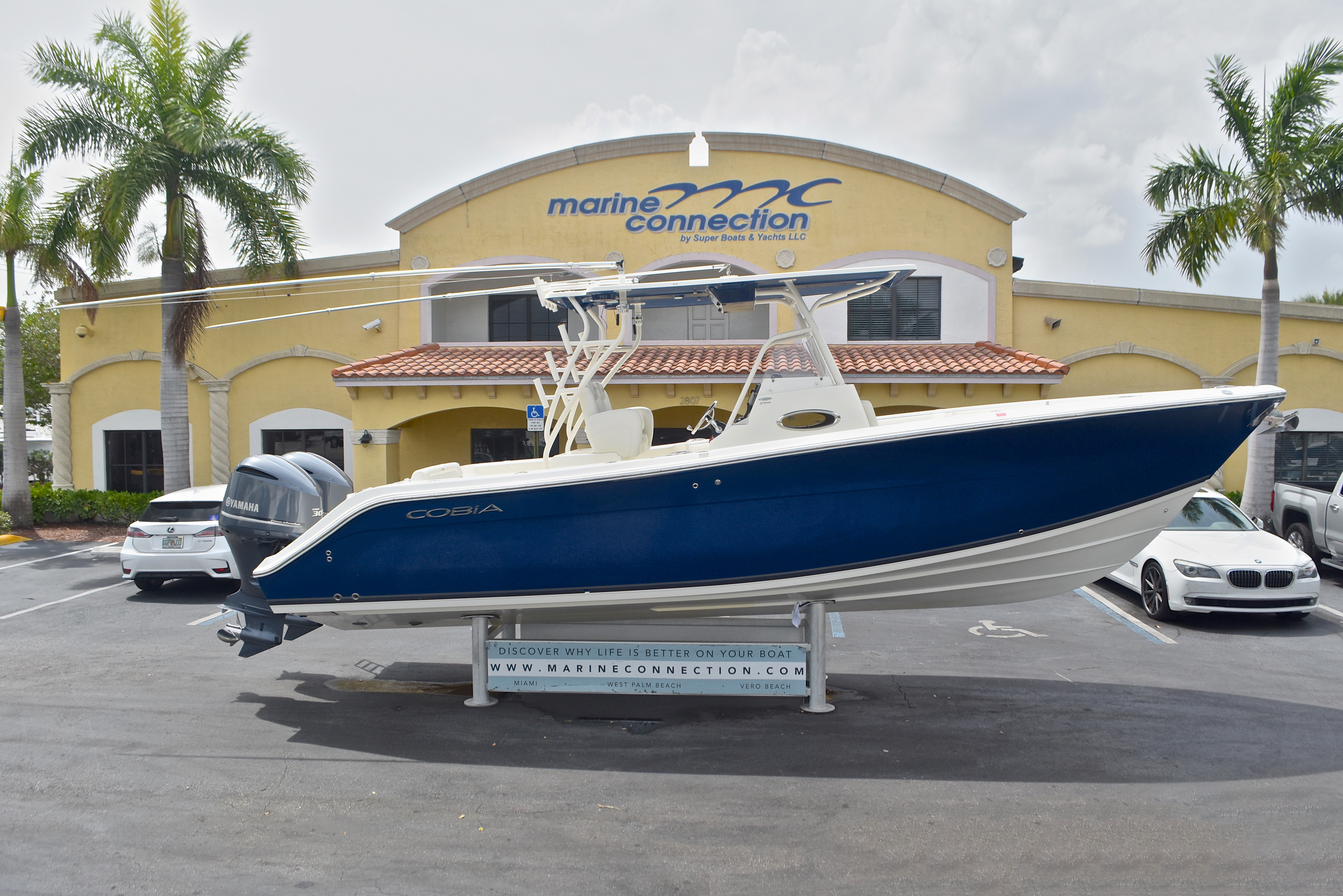 Used 2013 Cobia 296 Center Console boat for sale in West Palm Beach, FL