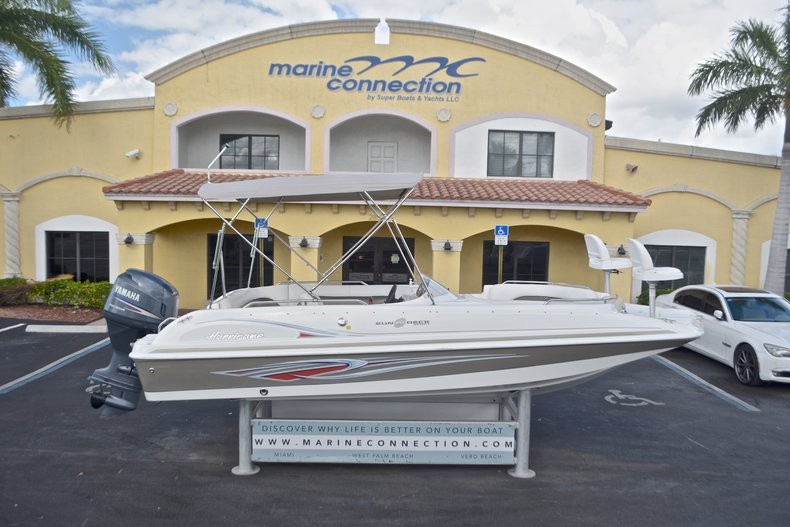 Photo for 2011 Hurricane SunDeck Sport SS 201 OB