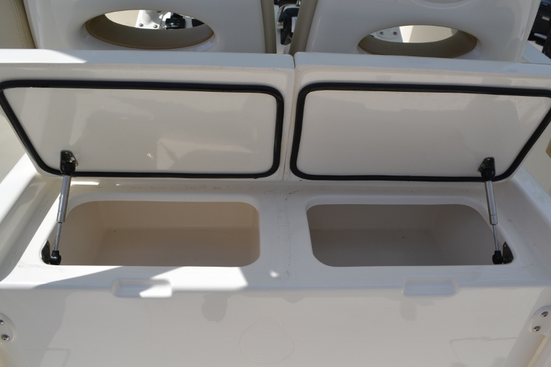 Thumbnail 16 for New 2017 Cobia 296 Center Console boat for sale in Vero Beach, FL
