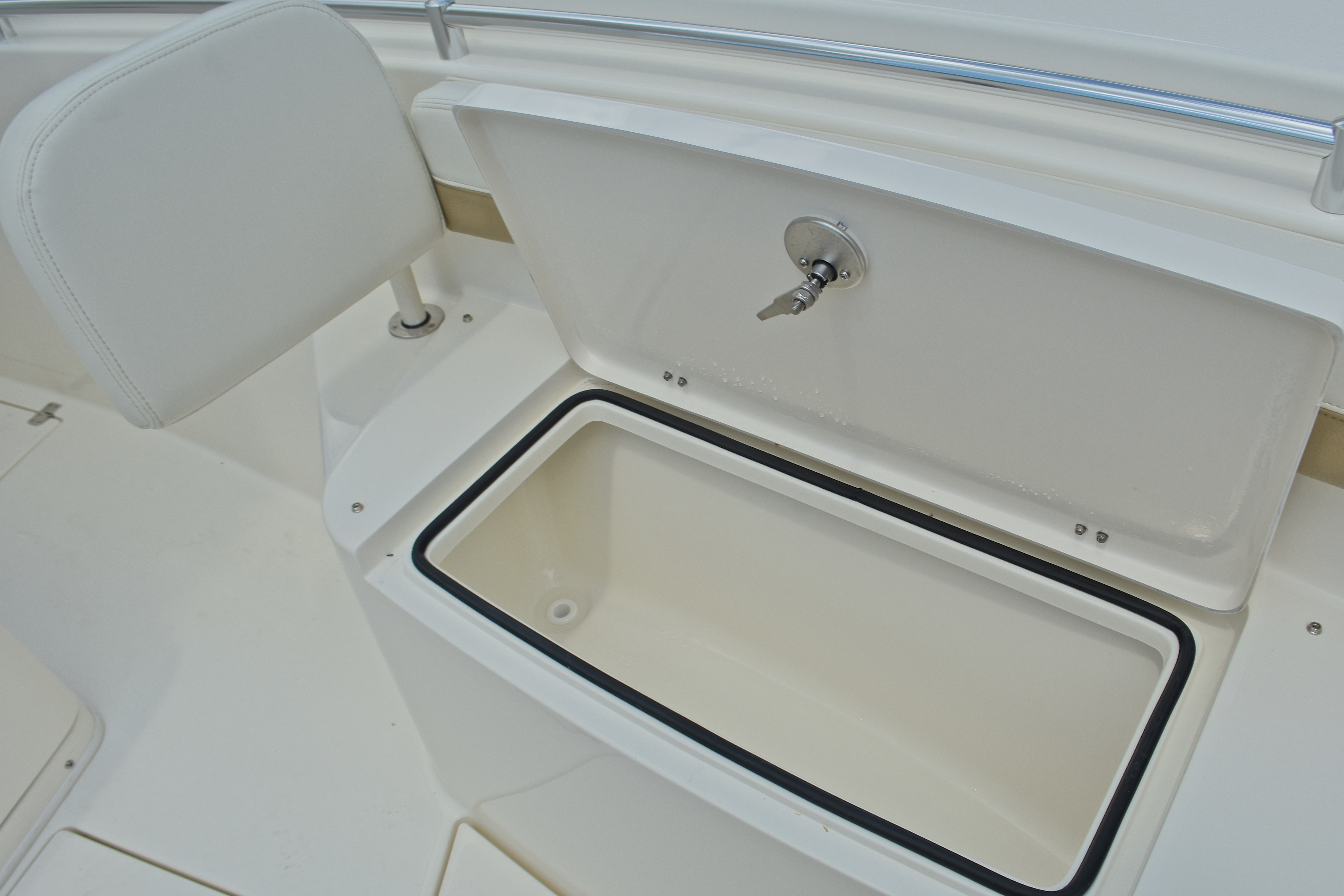 Thumbnail 61 for New 2017 Cobia 296 Center Console boat for sale in West Palm Beach, FL