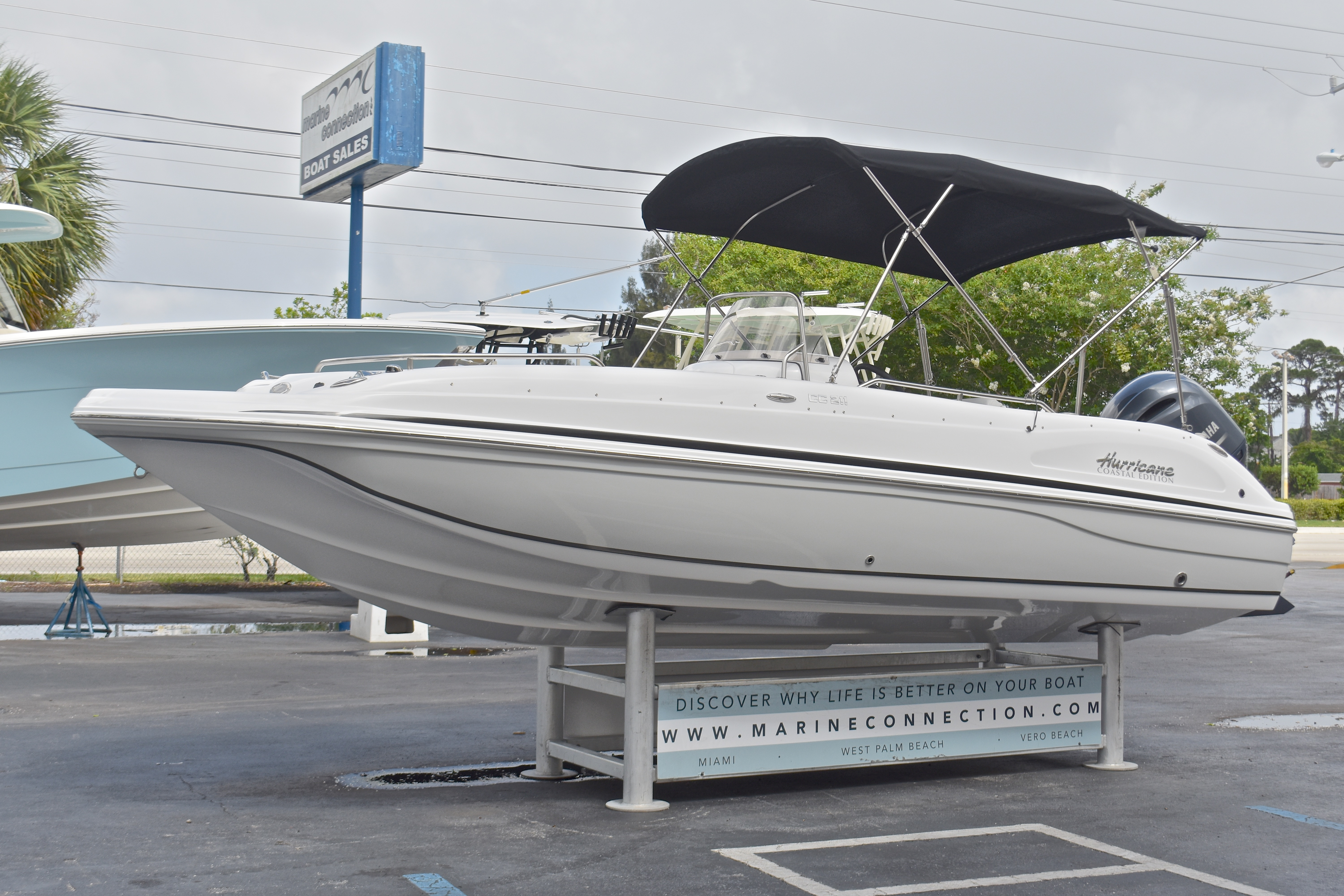 Thumbnail 10 for New 2017 Hurricane SunDeck Sport SS 211 OB boat for sale in West Palm Beach, FL