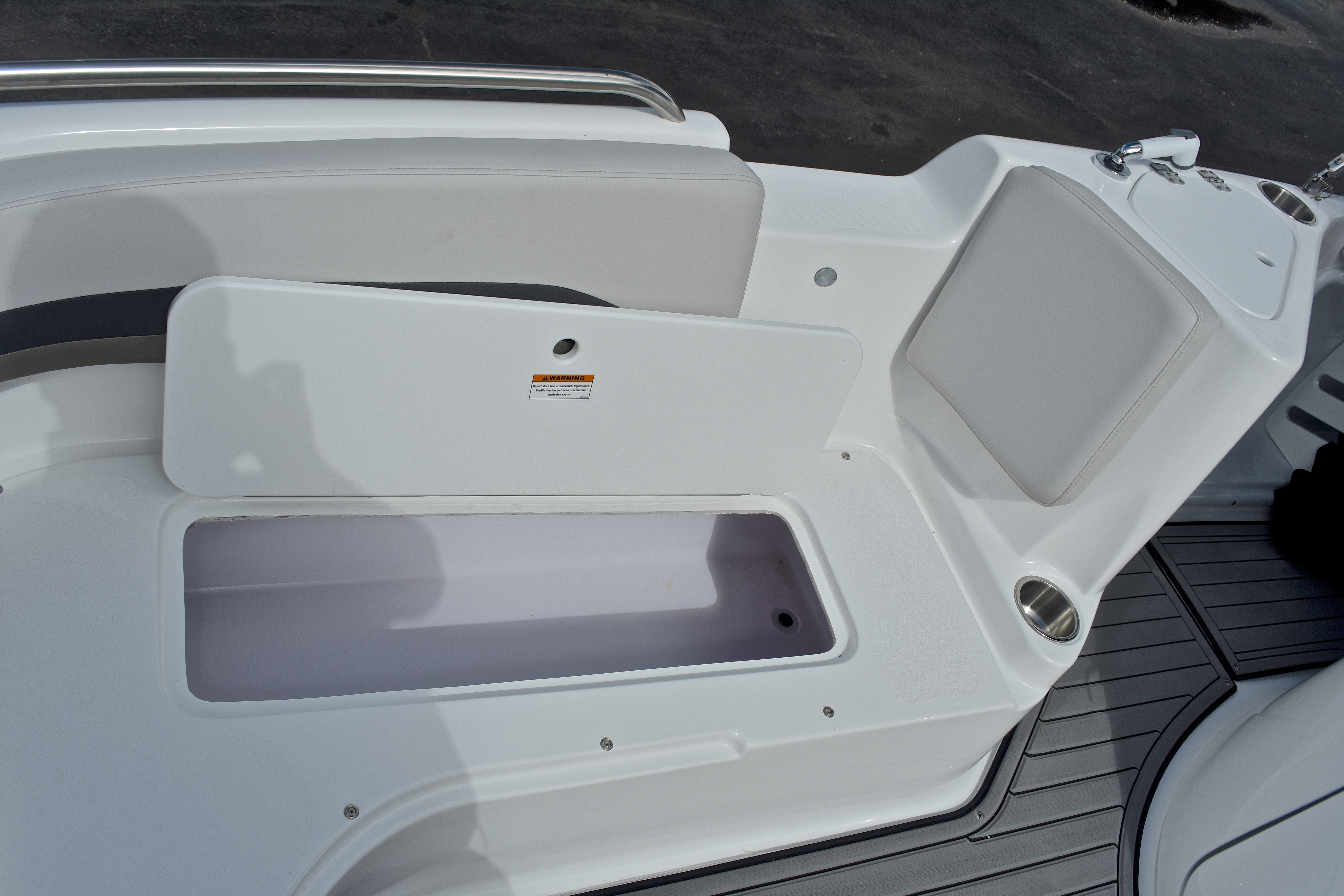 Thumbnail 50 for New 2017 Hurricane SunDeck Sport SS 211 OB boat for sale in West Palm Beach, FL