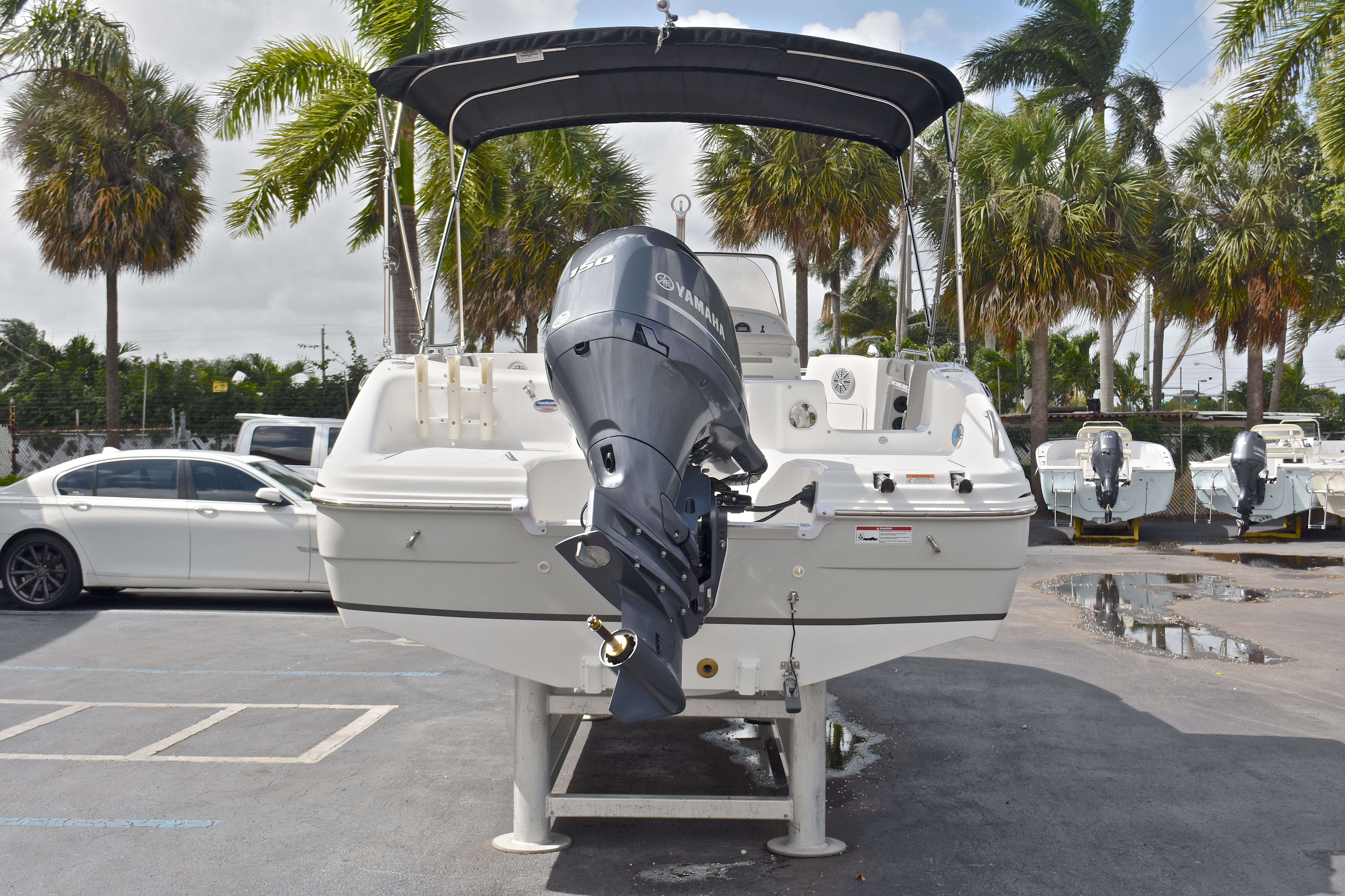 Thumbnail 58 for New 2017 Hurricane SunDeck Sport SS 211 OB boat for sale in West Palm Beach, FL