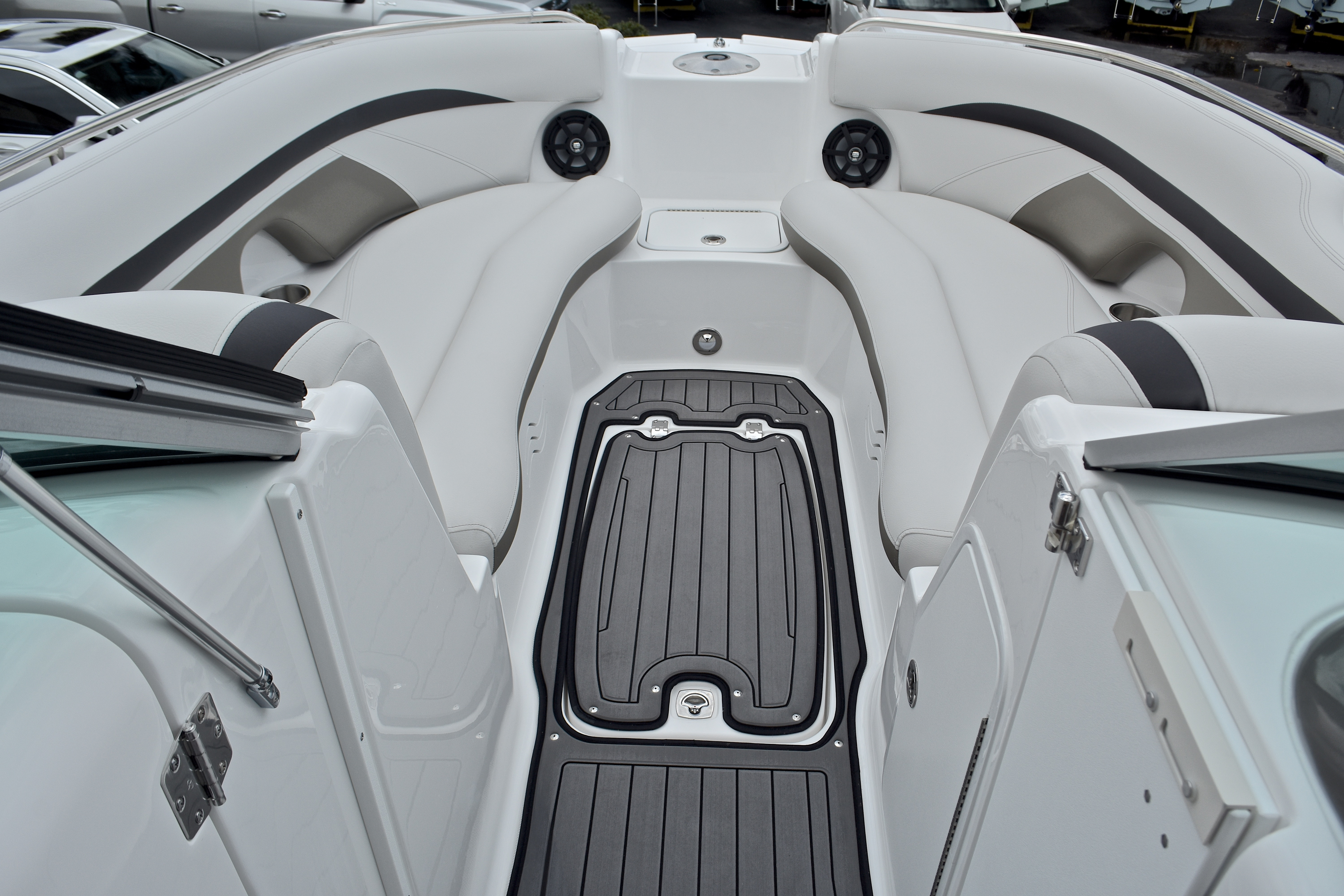Thumbnail 55 for New 2017 Hurricane SunDeck SD 2400 OB boat for sale in West Palm Beach, FL