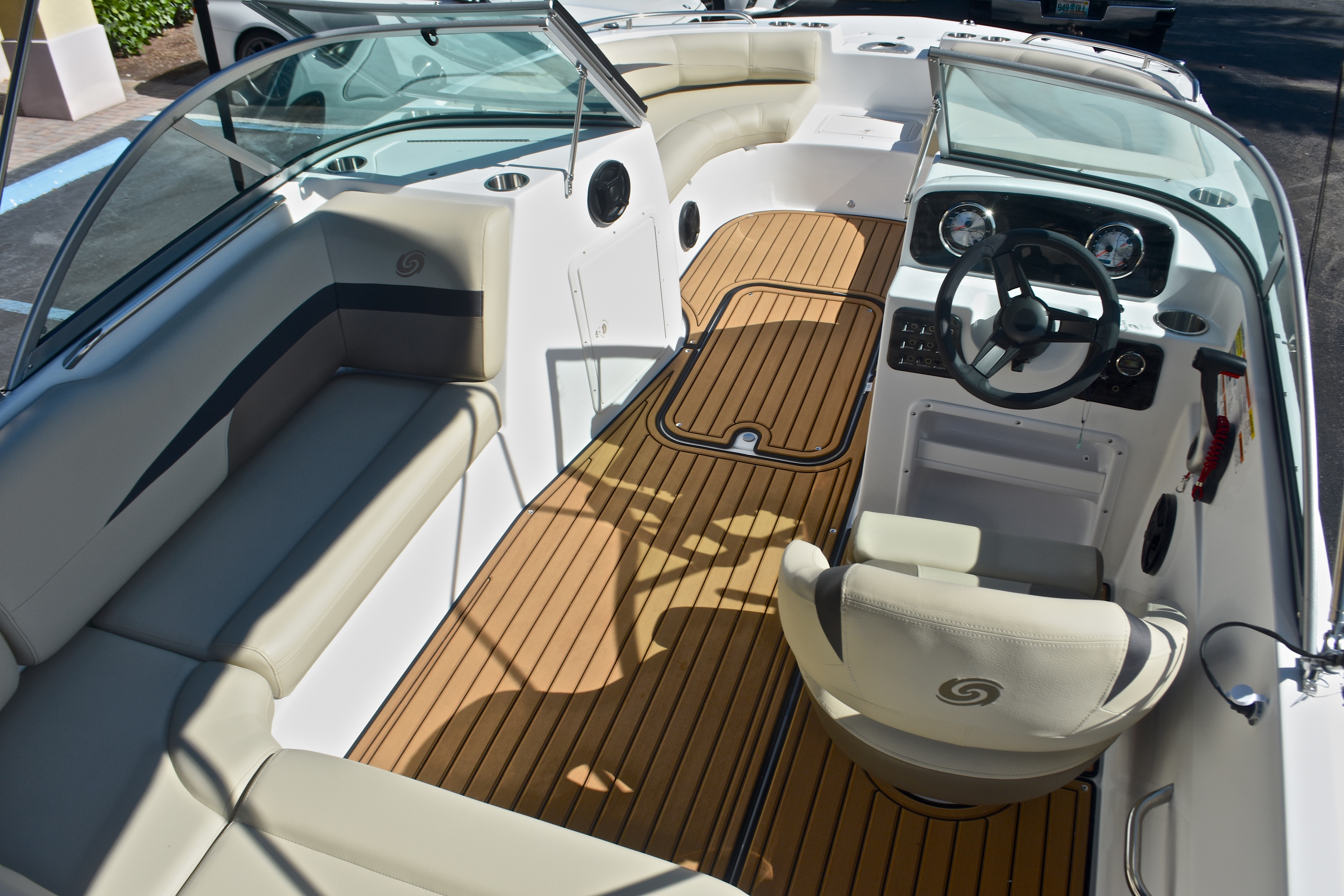 Thumbnail 12 for New 2017 Hurricane SunDeck SD 187 OB boat for sale in West Palm Beach, FL