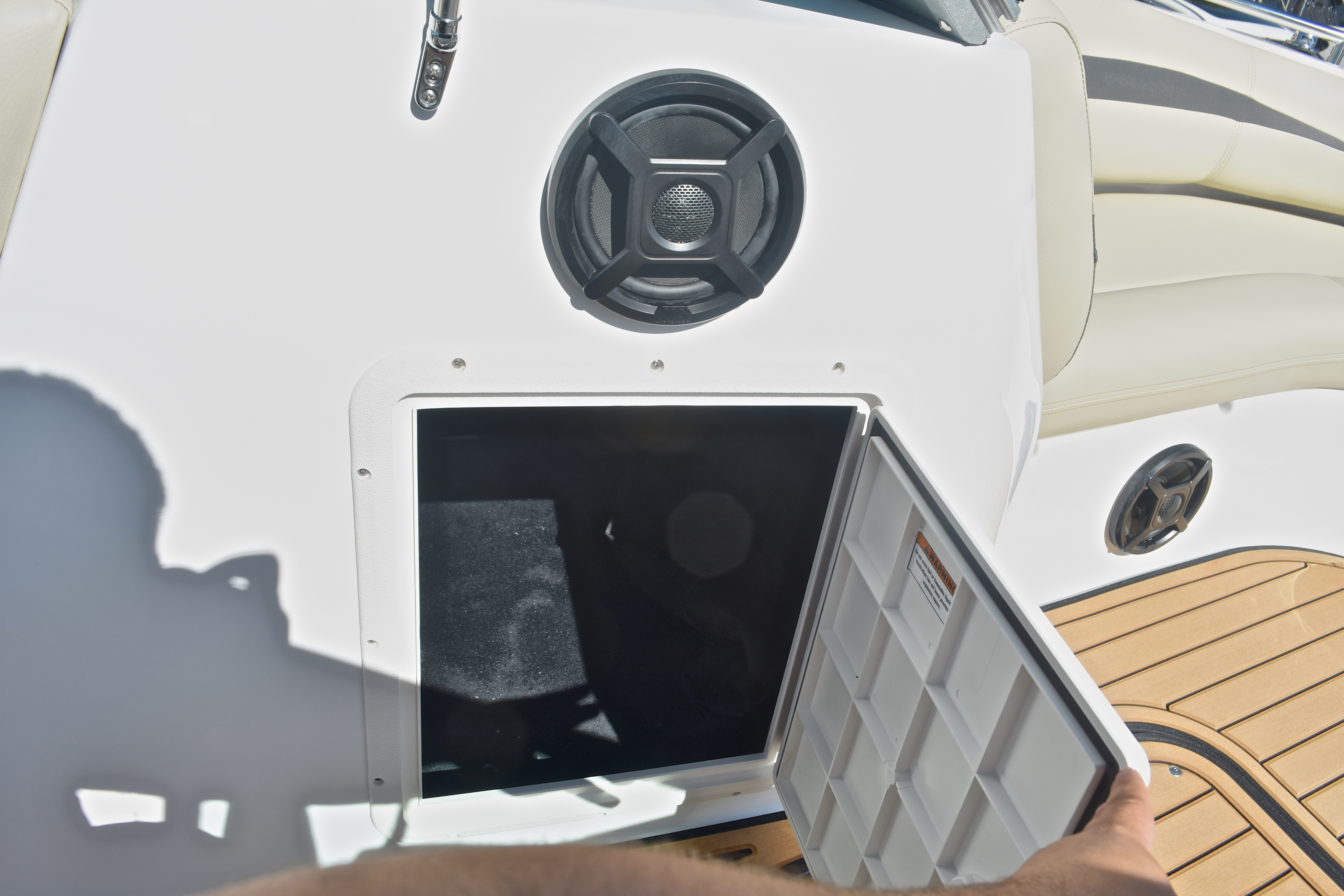 Thumbnail 25 for New 2017 Hurricane SunDeck SD 187 OB boat for sale in West Palm Beach, FL