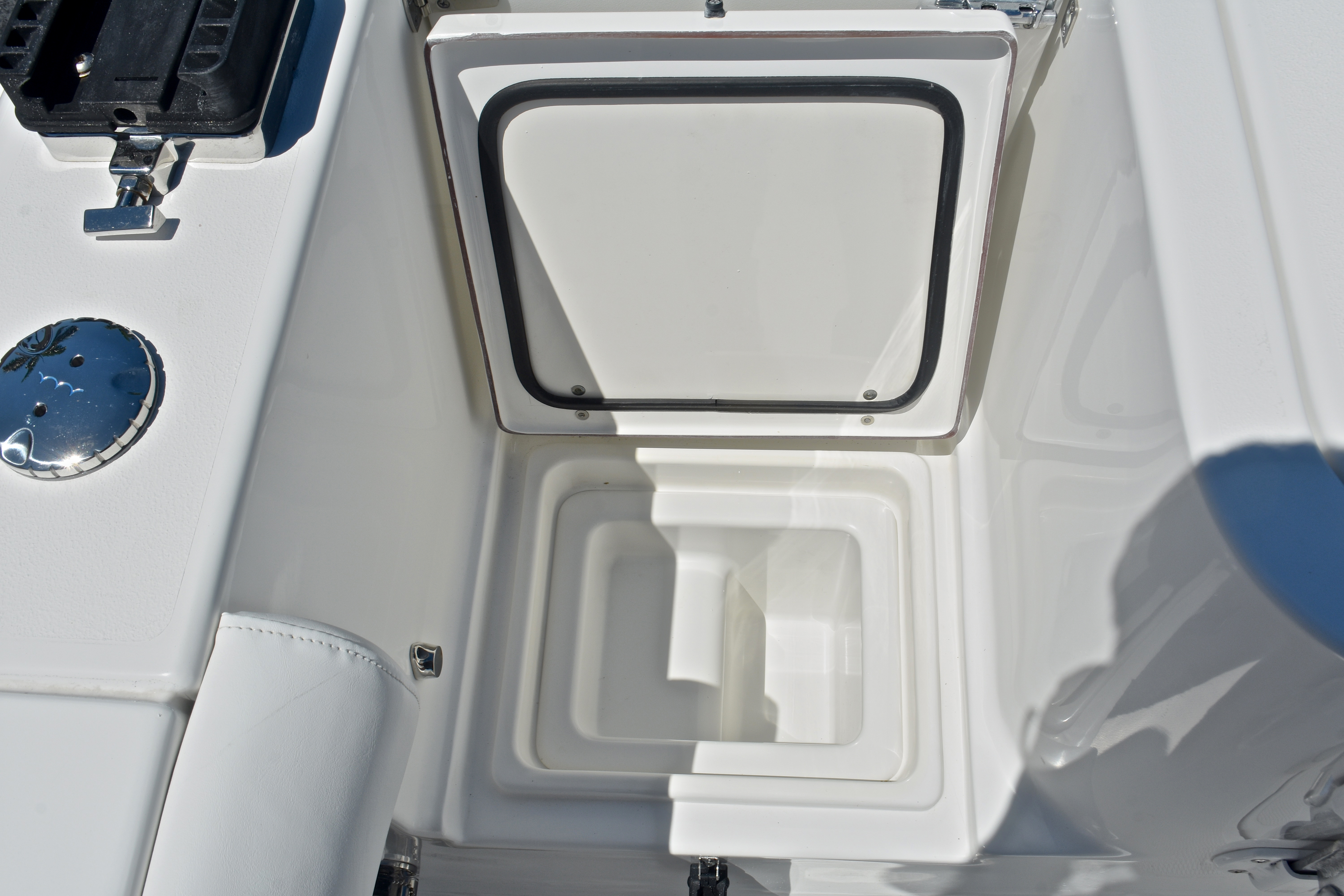 Thumbnail 18 for Used 2015 Sea Hunt Game Fish 30 Center Console boat for sale in West Palm Beach, FL