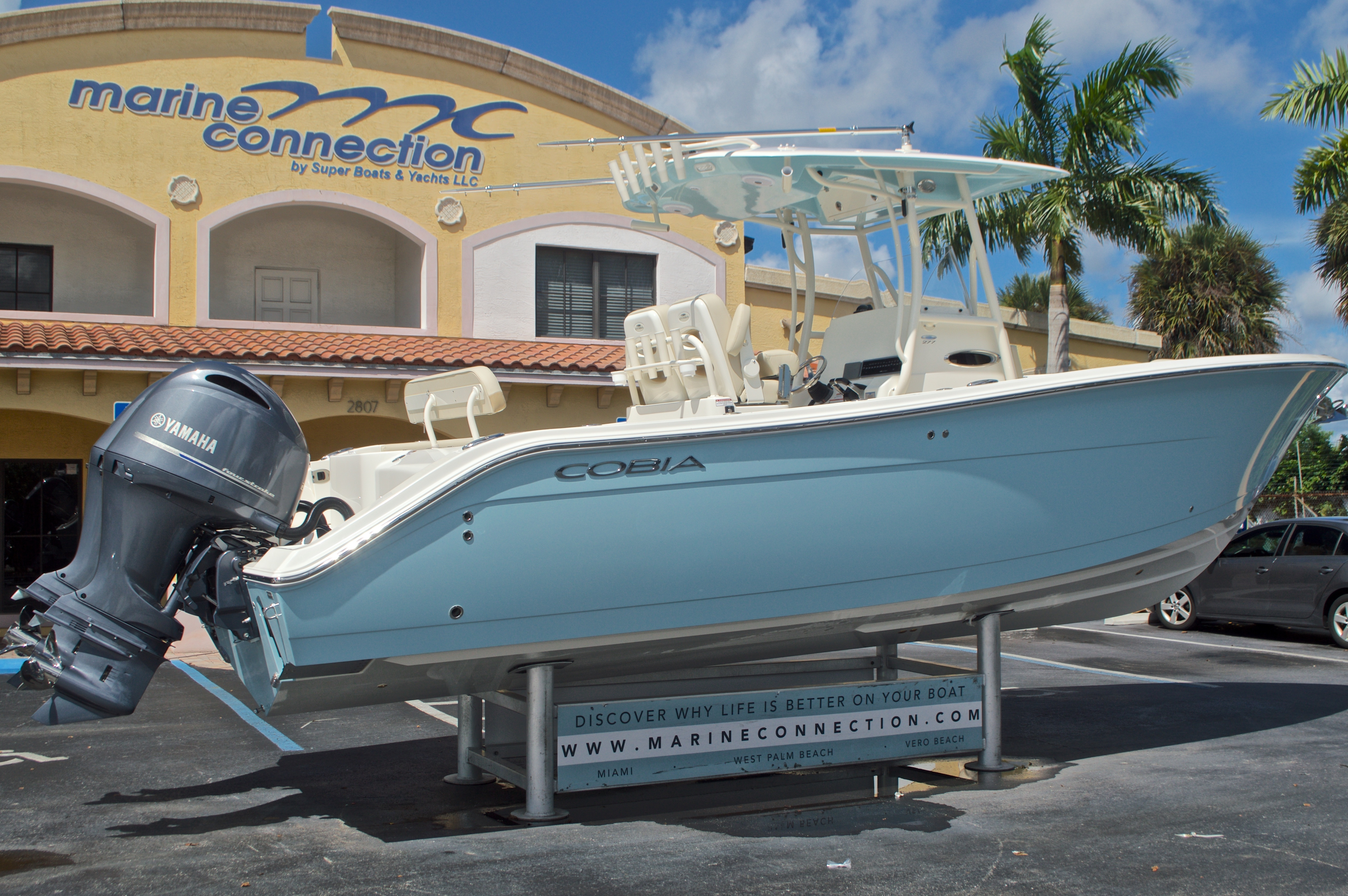 Thumbnail 10 for New 2017 Cobia 277 Center Console boat for sale in West Palm Beach, FL